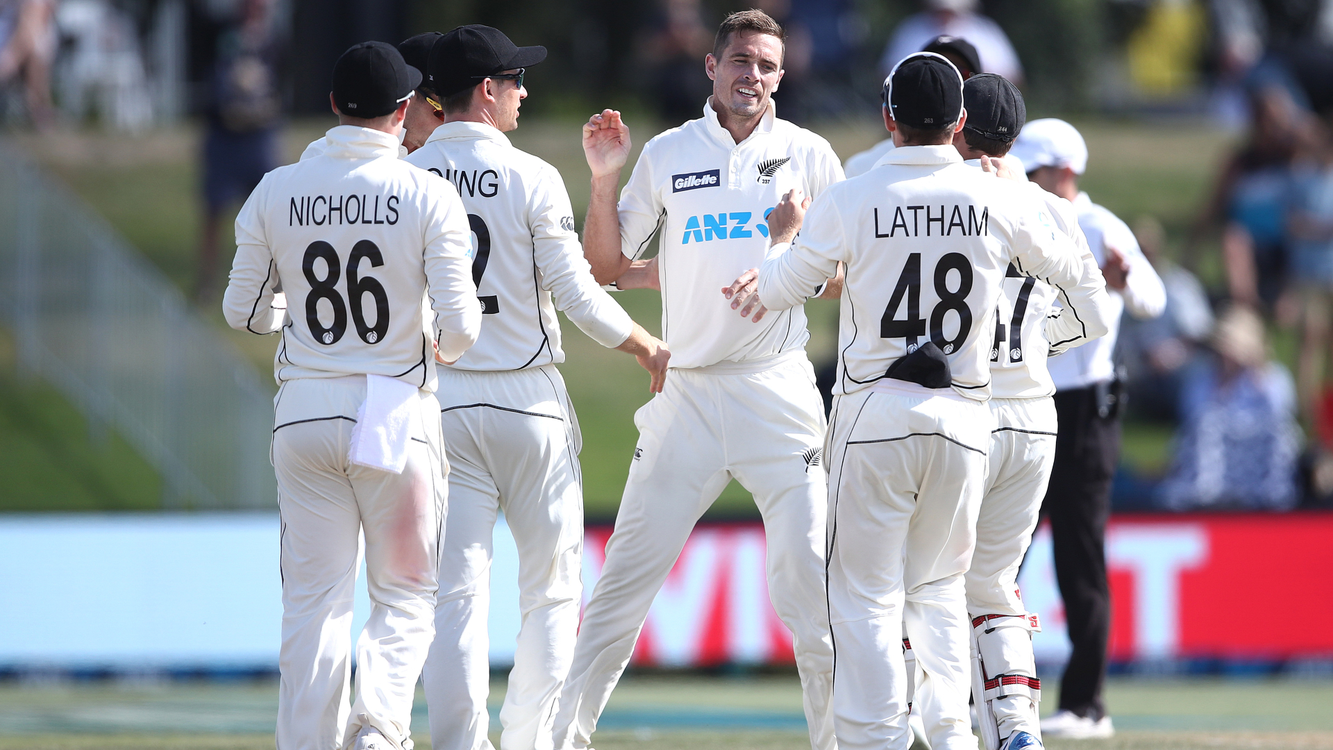 Southee takes 300th Test wicket as New Zealand close in on victory against Pakistan