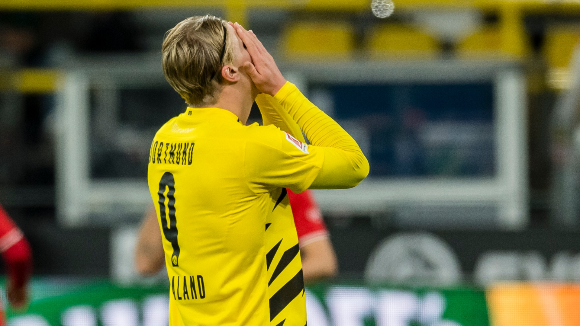 Borussia Dortmund lose Haaland to hamstring injury