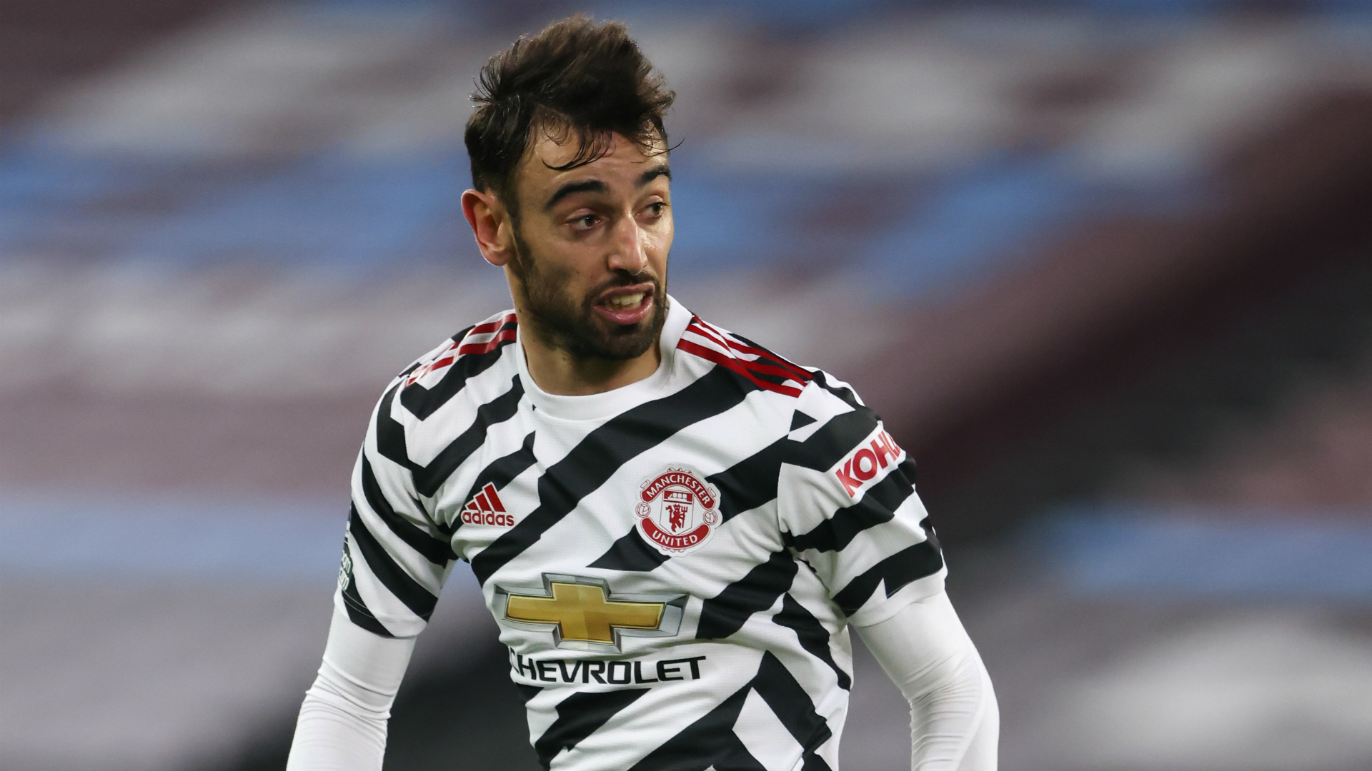 Rumour Has It: Man Utd preparing new Fernandes contract to fend off Barca and Madrid