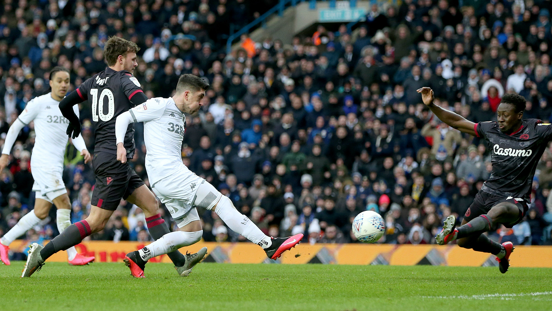 Championship: Leeds United pull clear of chasing pack