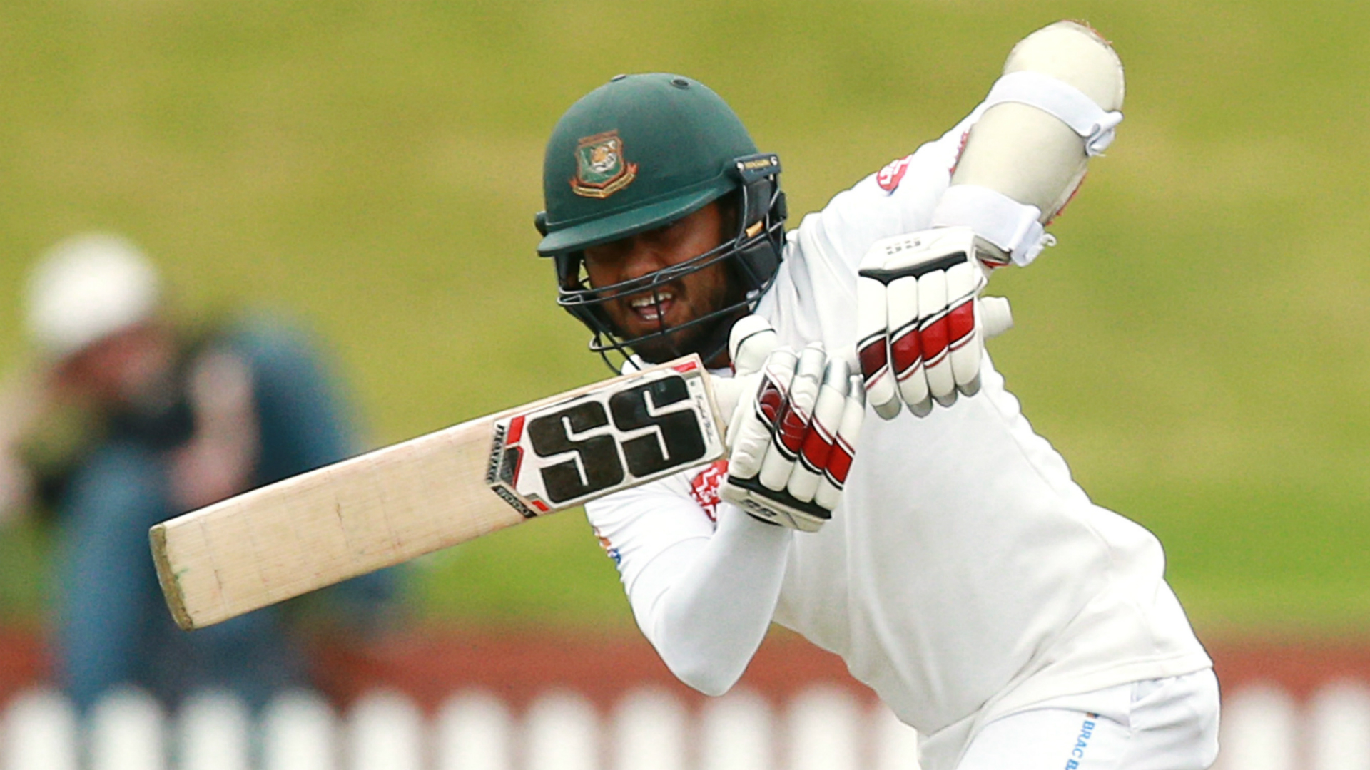 Mithun steps up for Bangladesh as Pakistan teenager Shaheen impresses