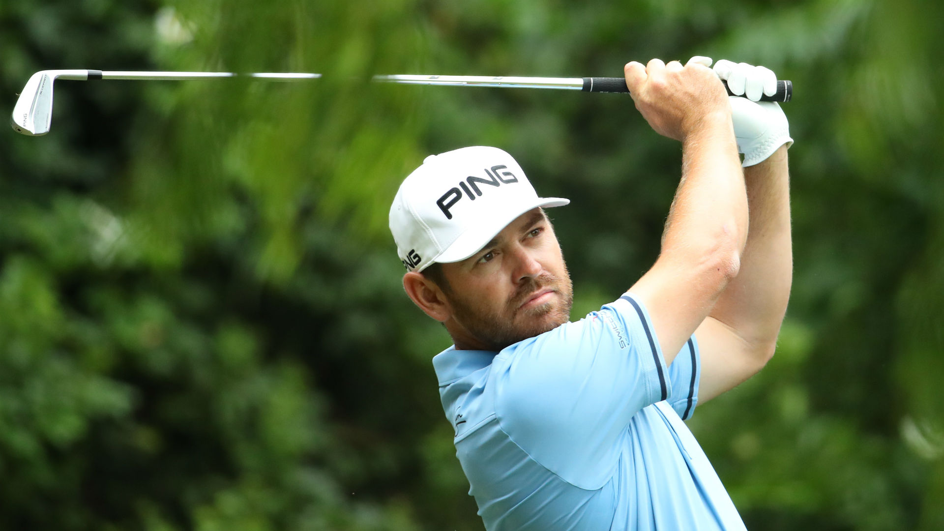 Reigning champion Oosthuizen scrambles for one-shot lead