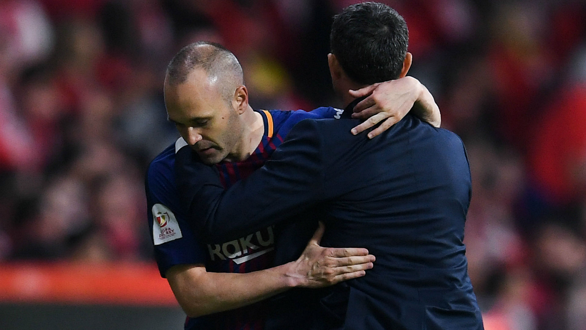 Barca great Iniesta urges club to respect Valverde amid 'ugly' saga