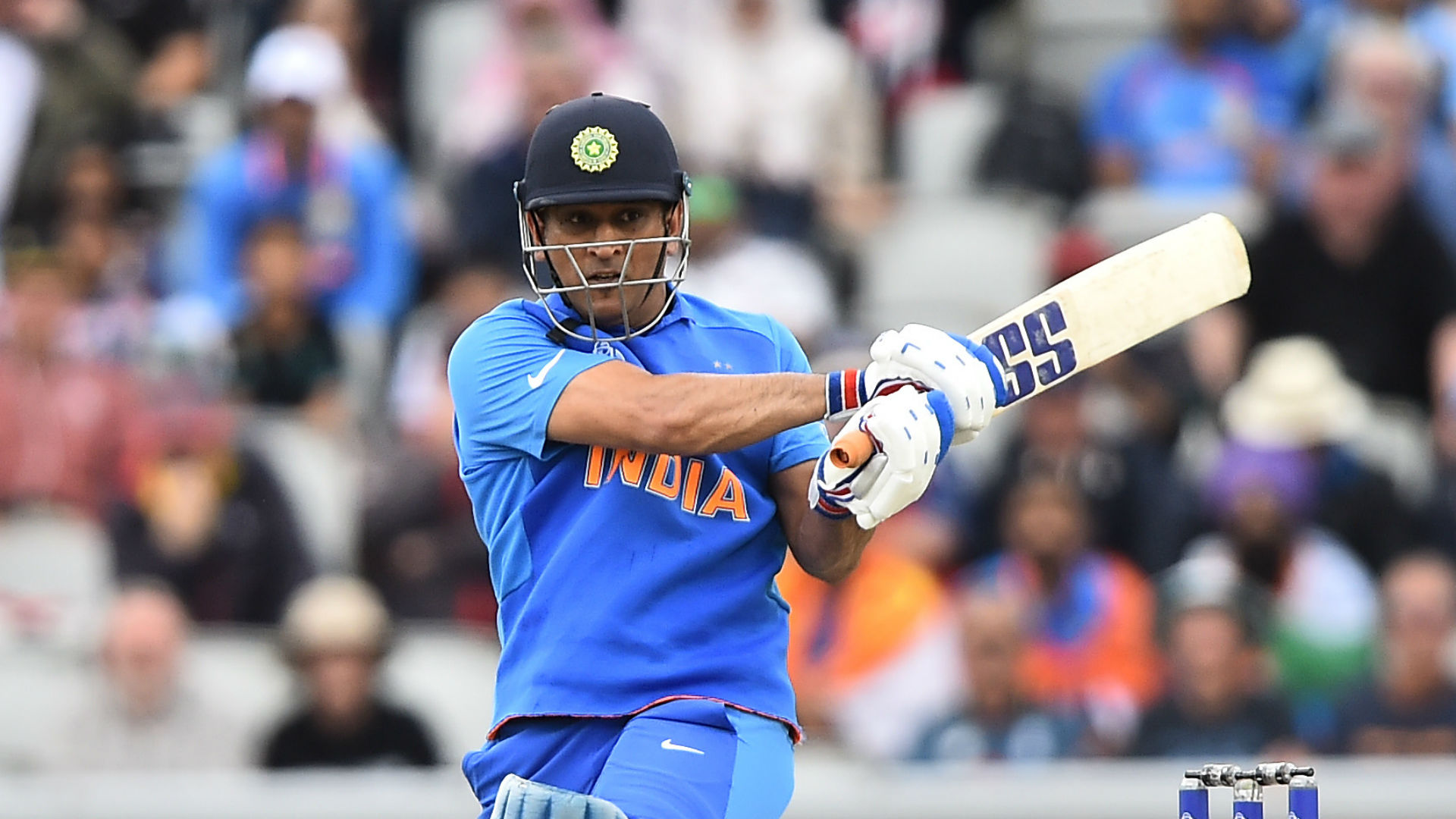 MS Dhoni to stay with Chennai Super Kings for 2021 IPL season