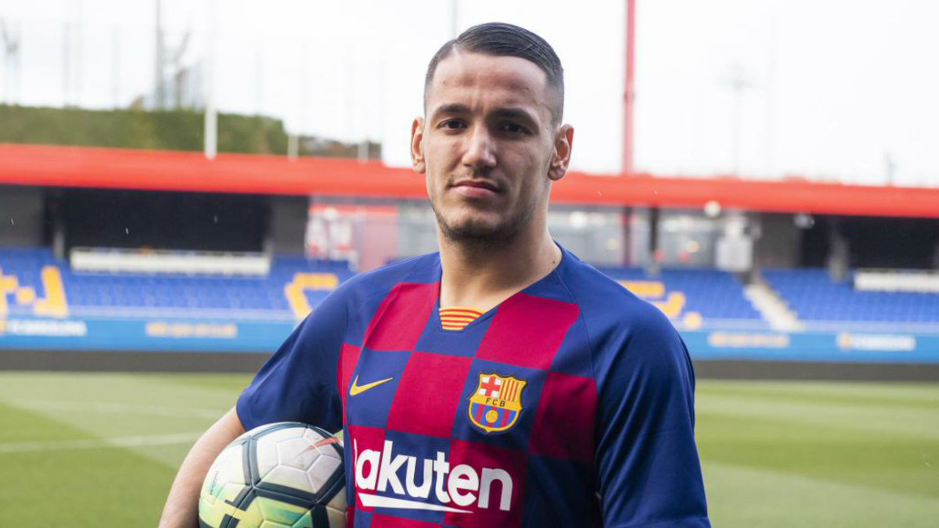 Barcelona sign former Inter striker Rey Manaj for €700,000