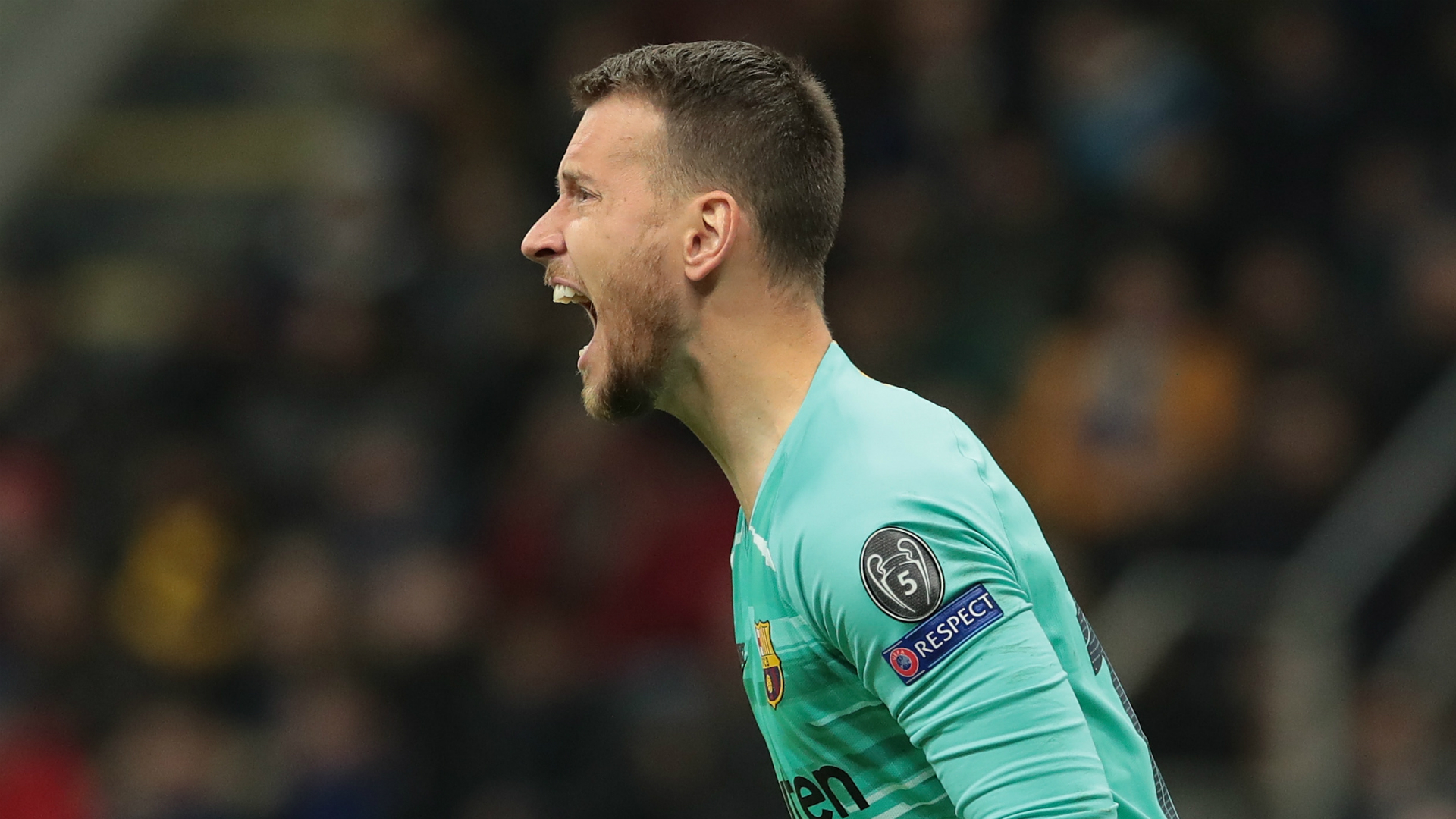 Barcelona keeper Neto to have test on ankle sprain