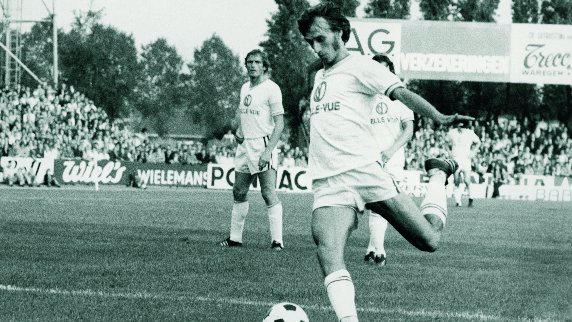 Netherlands great Rob Rensenbrink dies aged 72