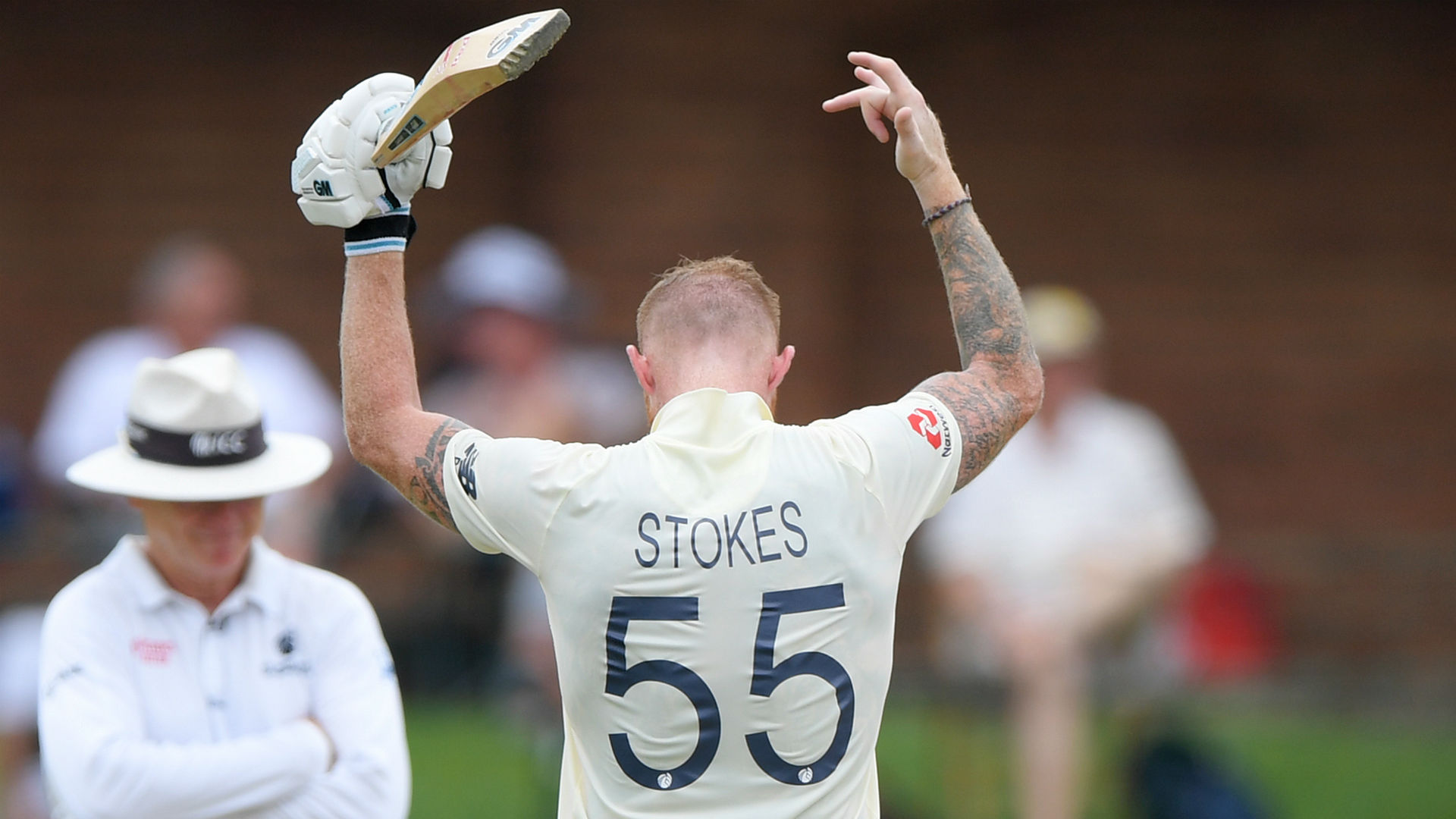England all-rounder Stokes posts family picture as father returns home