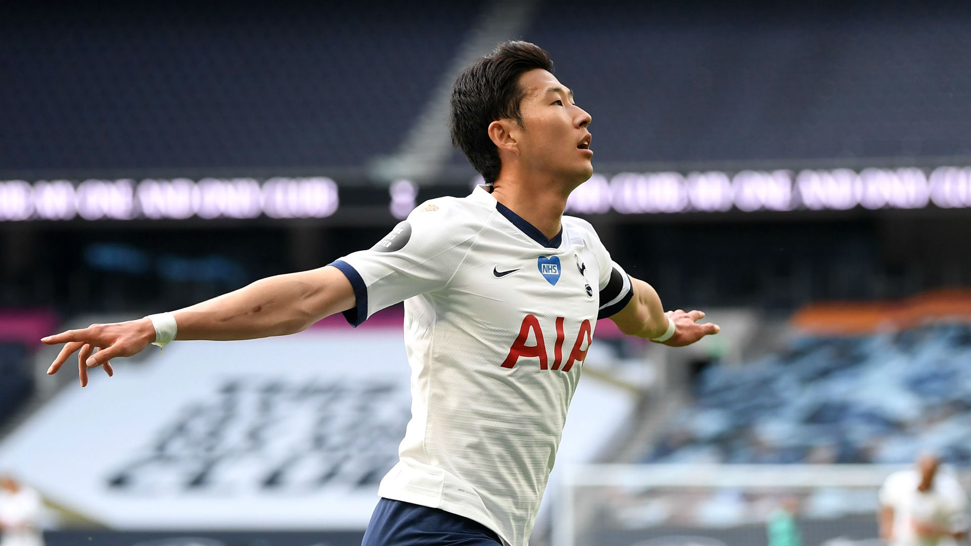 Spurs and Arsenal lay out flaws in knockabout north London derby