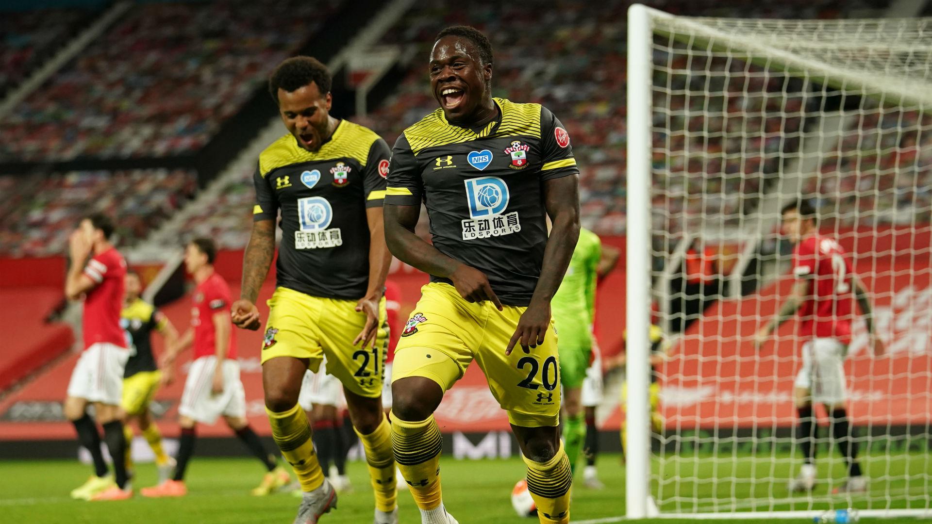 Manchester United 2-2 Southampton: Last-gasp Obafemi leveller ...