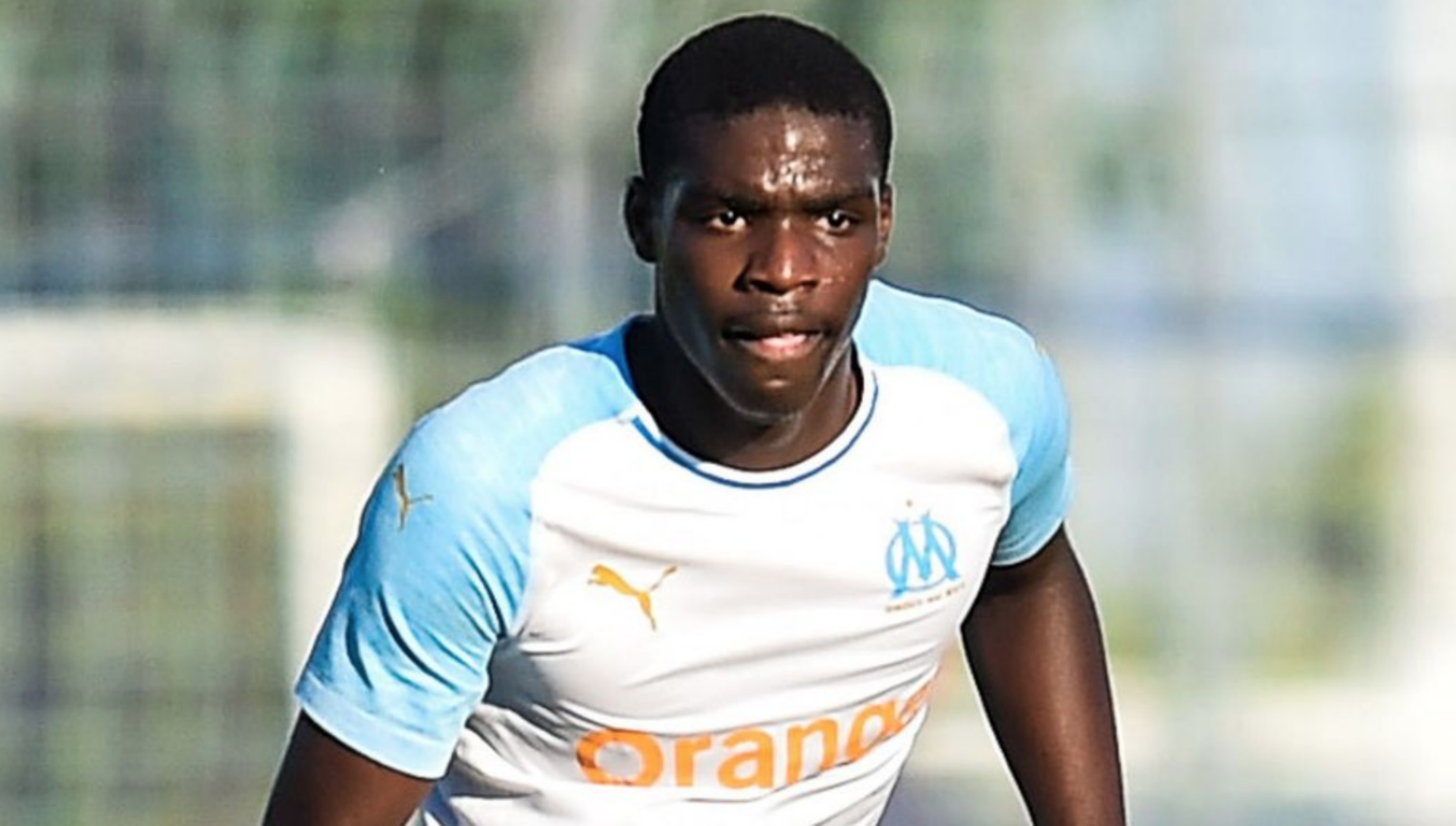 Everton sign reported Juventus target Nkounkou