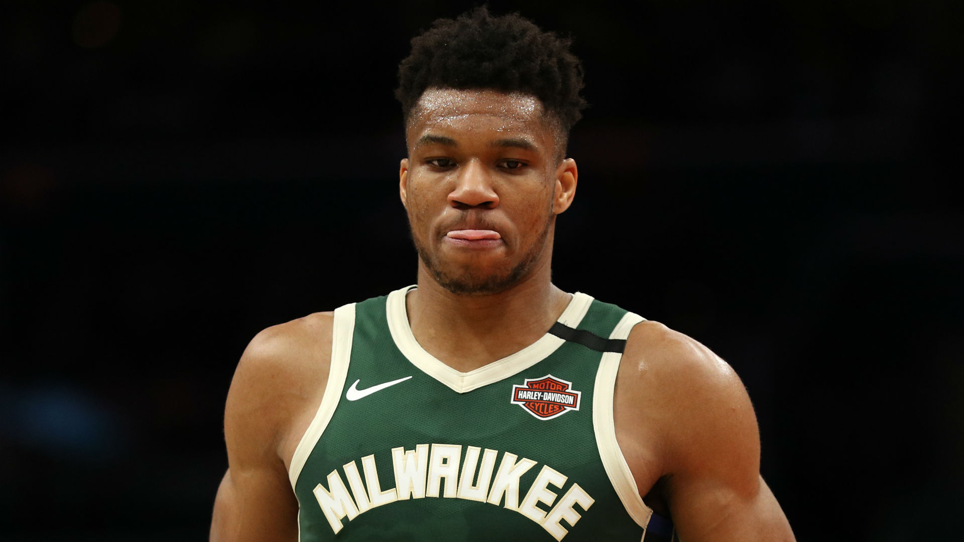Giannis stars as Bucks lose, Clippers also beaten in final scrimmage