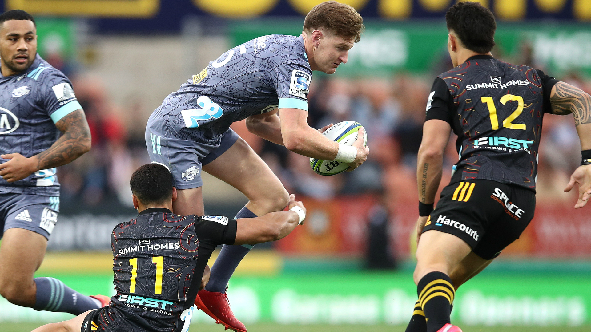 Barrett stars as Hurricanes survive to see off Chiefs for first win