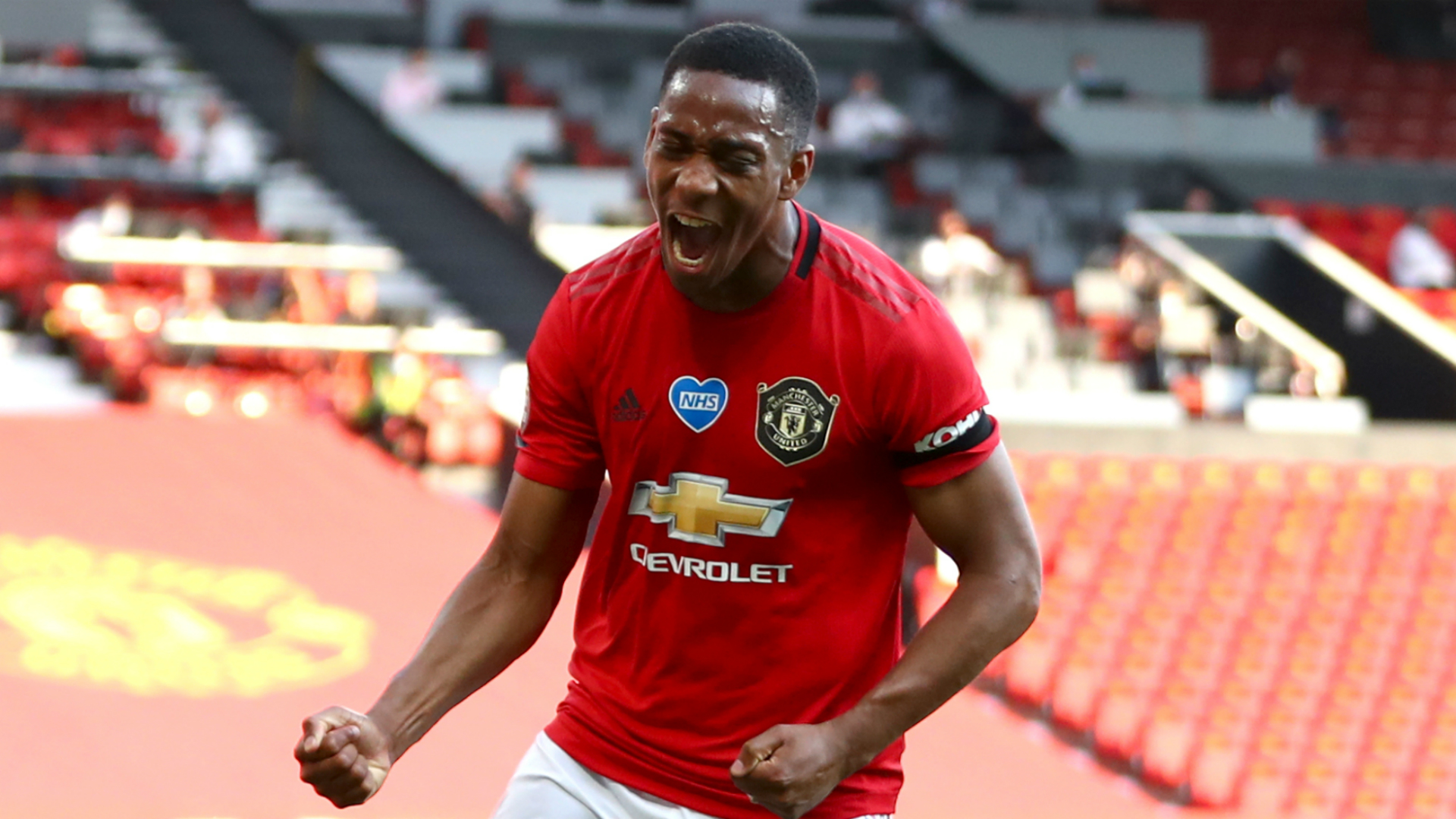 EPL: Midfielder signs five-year deal with Man Utd