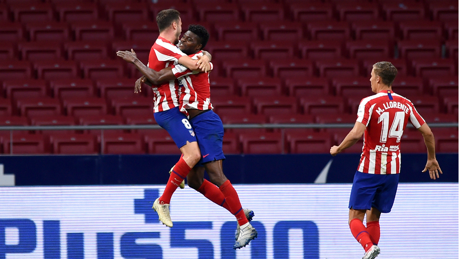 Atletico Madrid 2-1 Deportivo Alaves: Saul & Costa strengthen grip on third