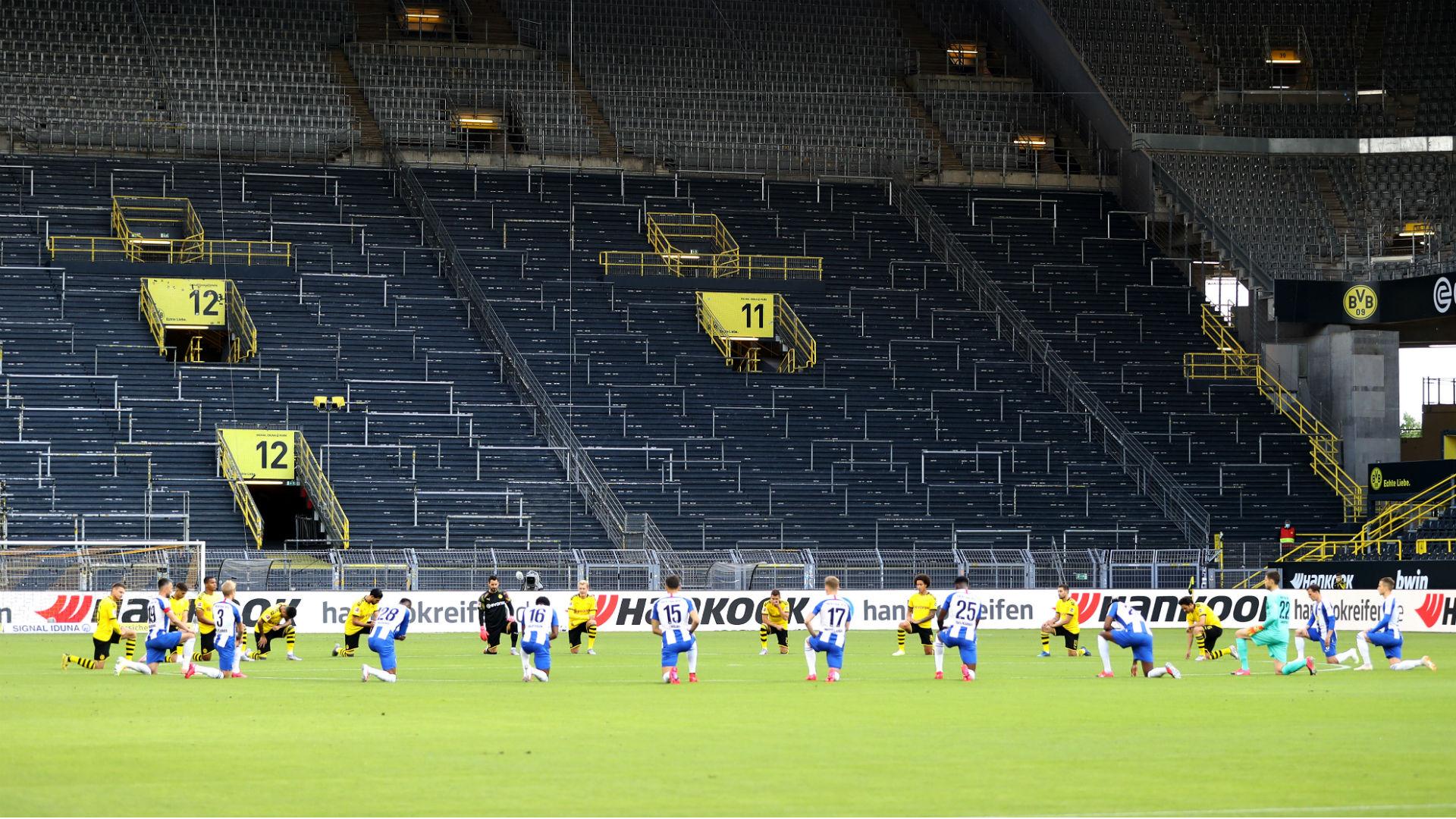 Borussia Dortmund & Hertha Berlin take knee before Bundesliga clash
