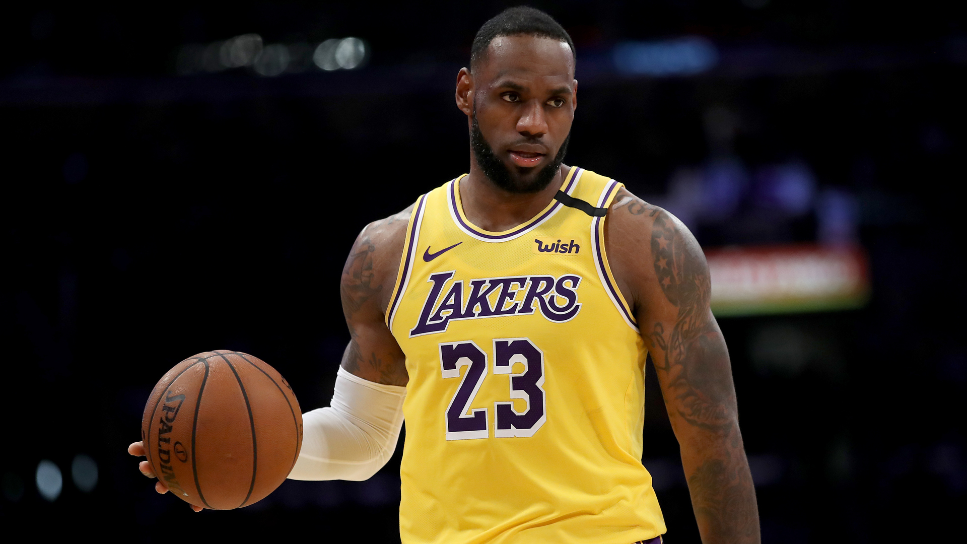 LeBron's Lakers overcome Zion and Pelicans, Giannis shines for Bucks