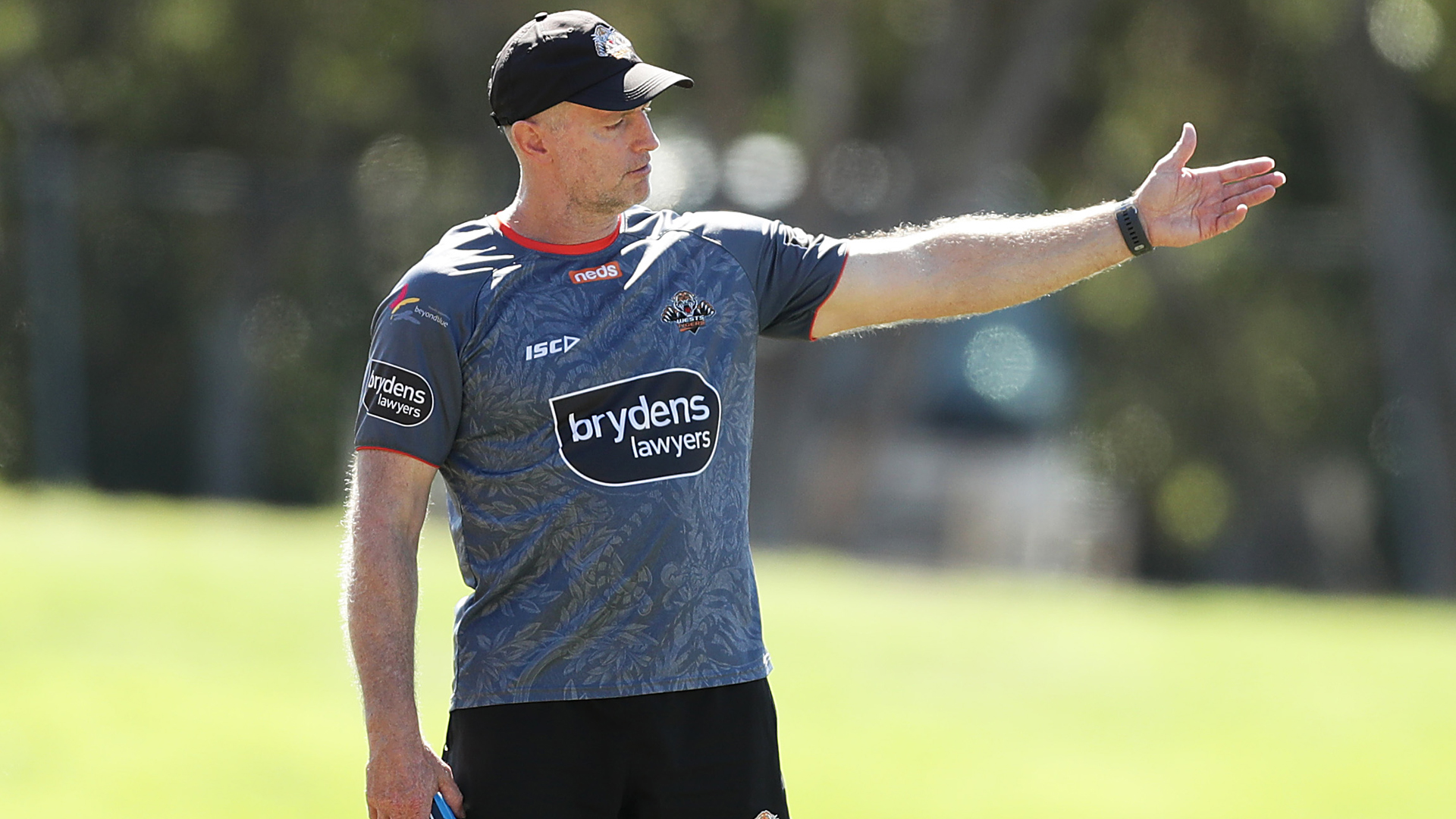 Coronavirus: NRL players should be ready at a week's notice – Tigers coach Maguire