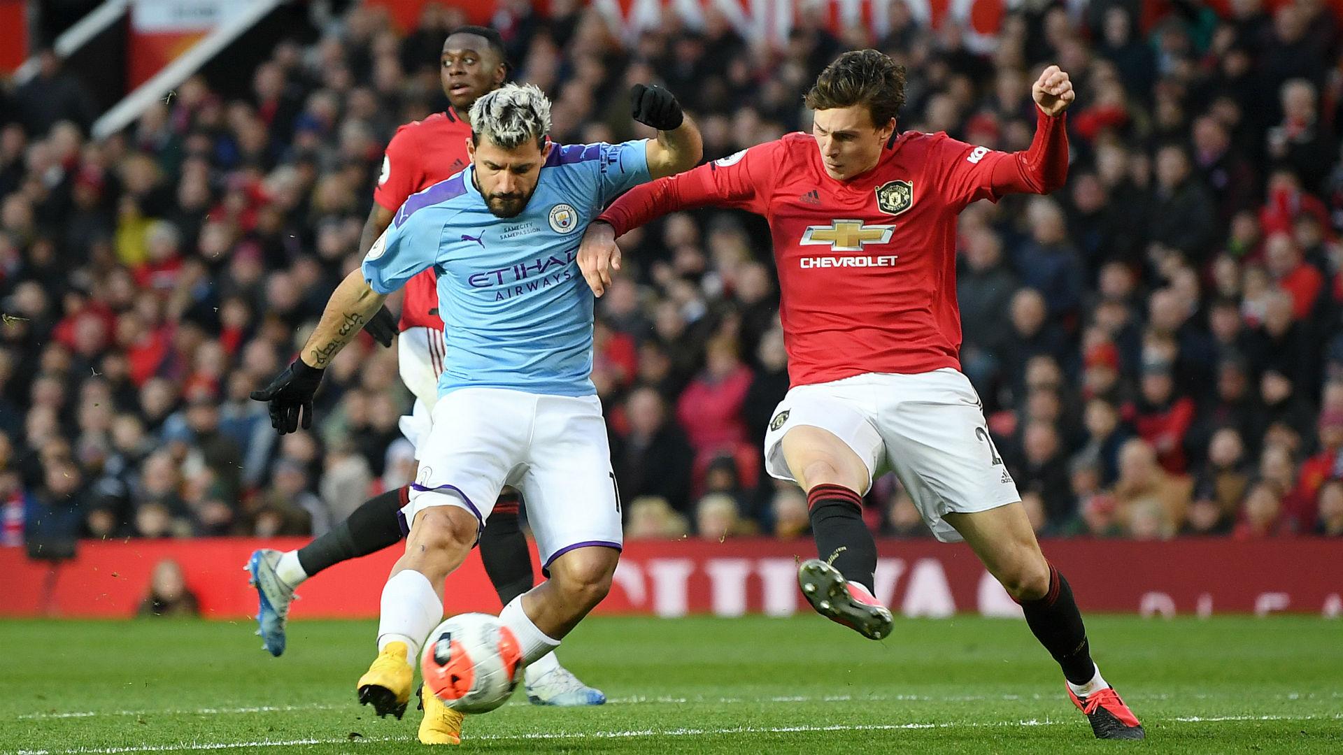 Aguero suffers injury in Manchester derby