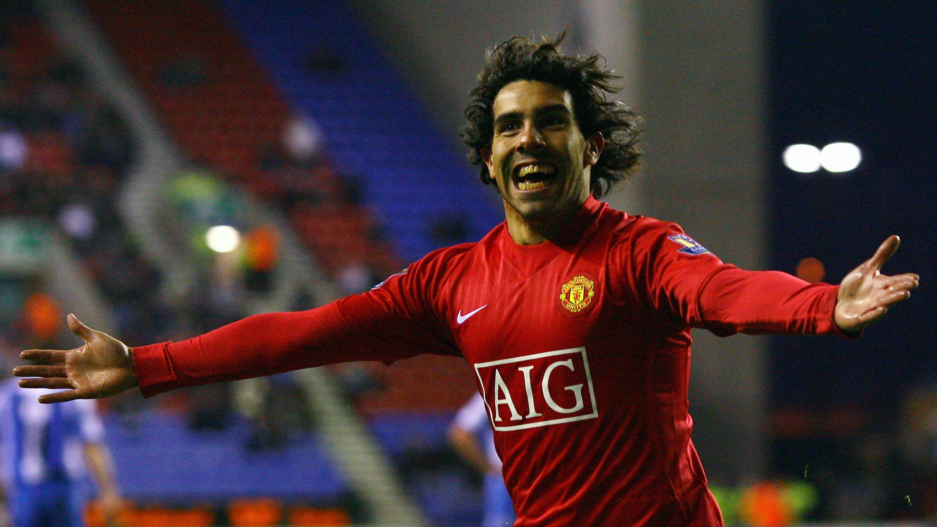 Neville goes head-to-head with Joorabchian over Tevez at Man Utd