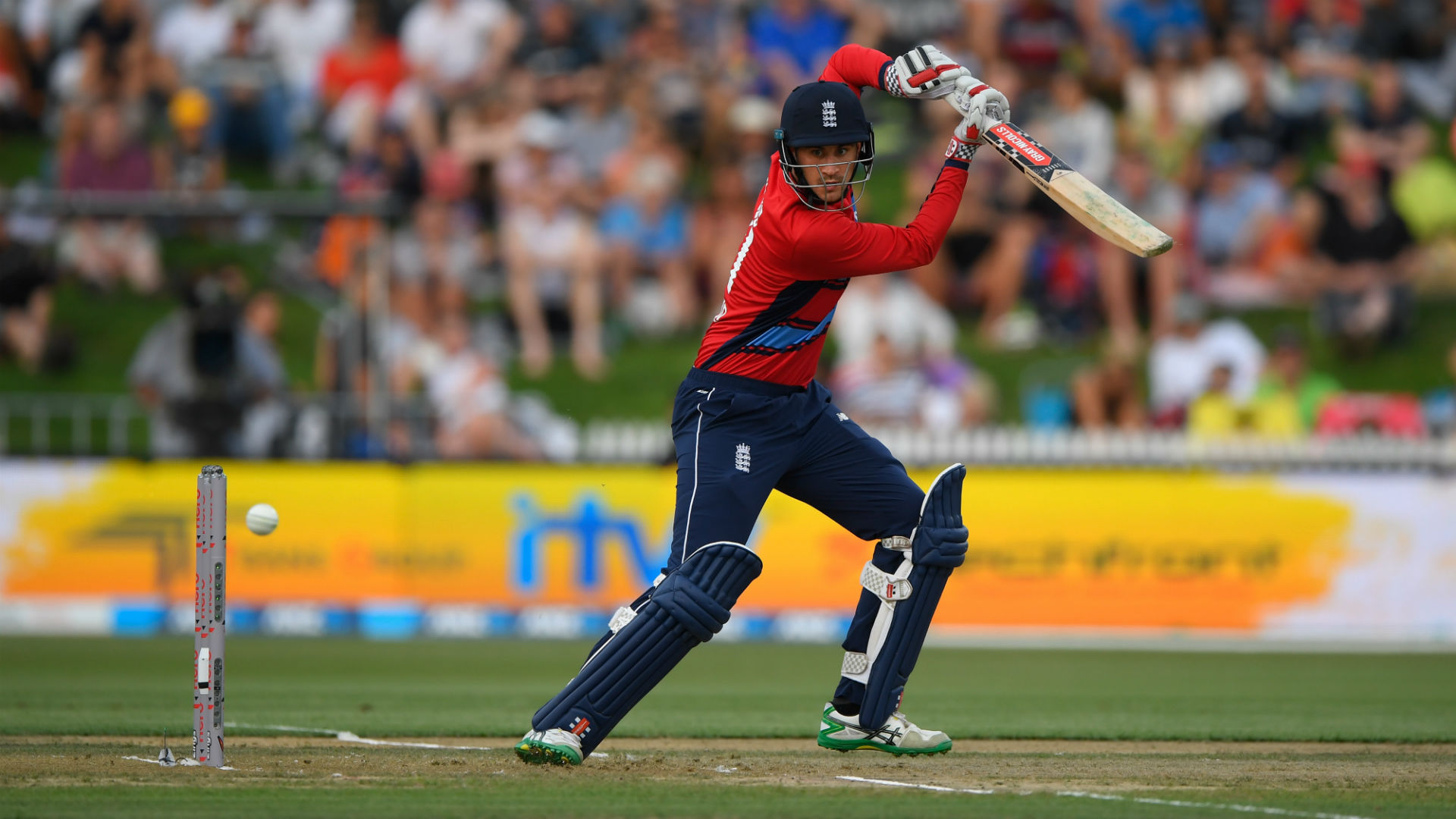 Woakes would welcome ditched Alex Hales back into England dressing room
