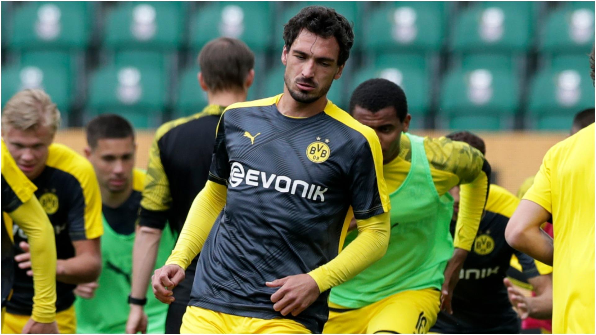 Dortmund hopeful on Hummels for Bayern clash, Sancho not certain to start