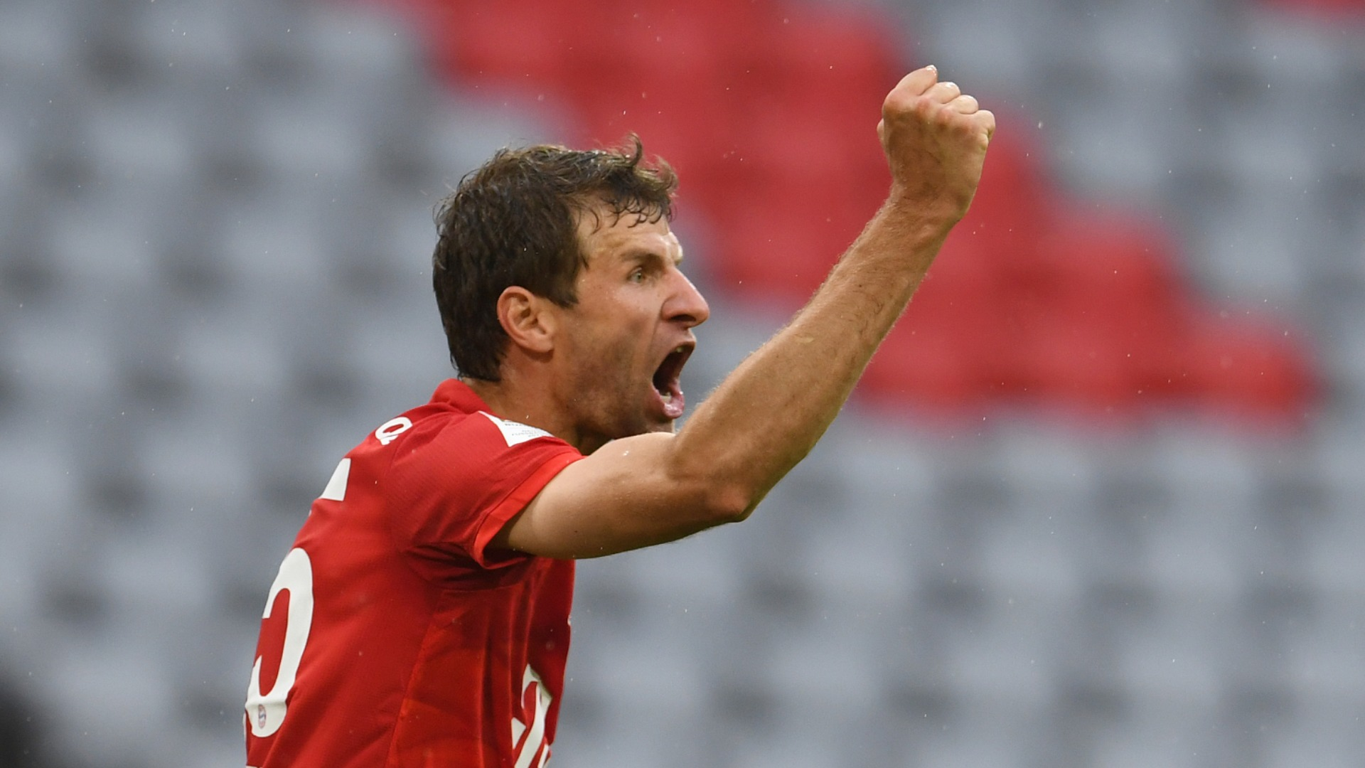 Bayern Munich 5-2 Eintracht Frankfurt: Muller and Davies star to tee up tantalising Klassiker