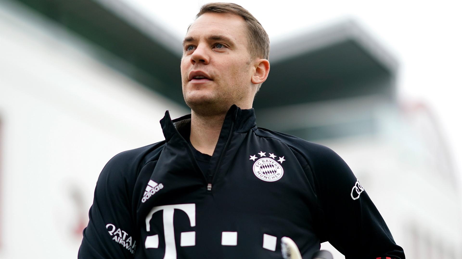 Bayern boss Flick hails 'insane professional' Neuer