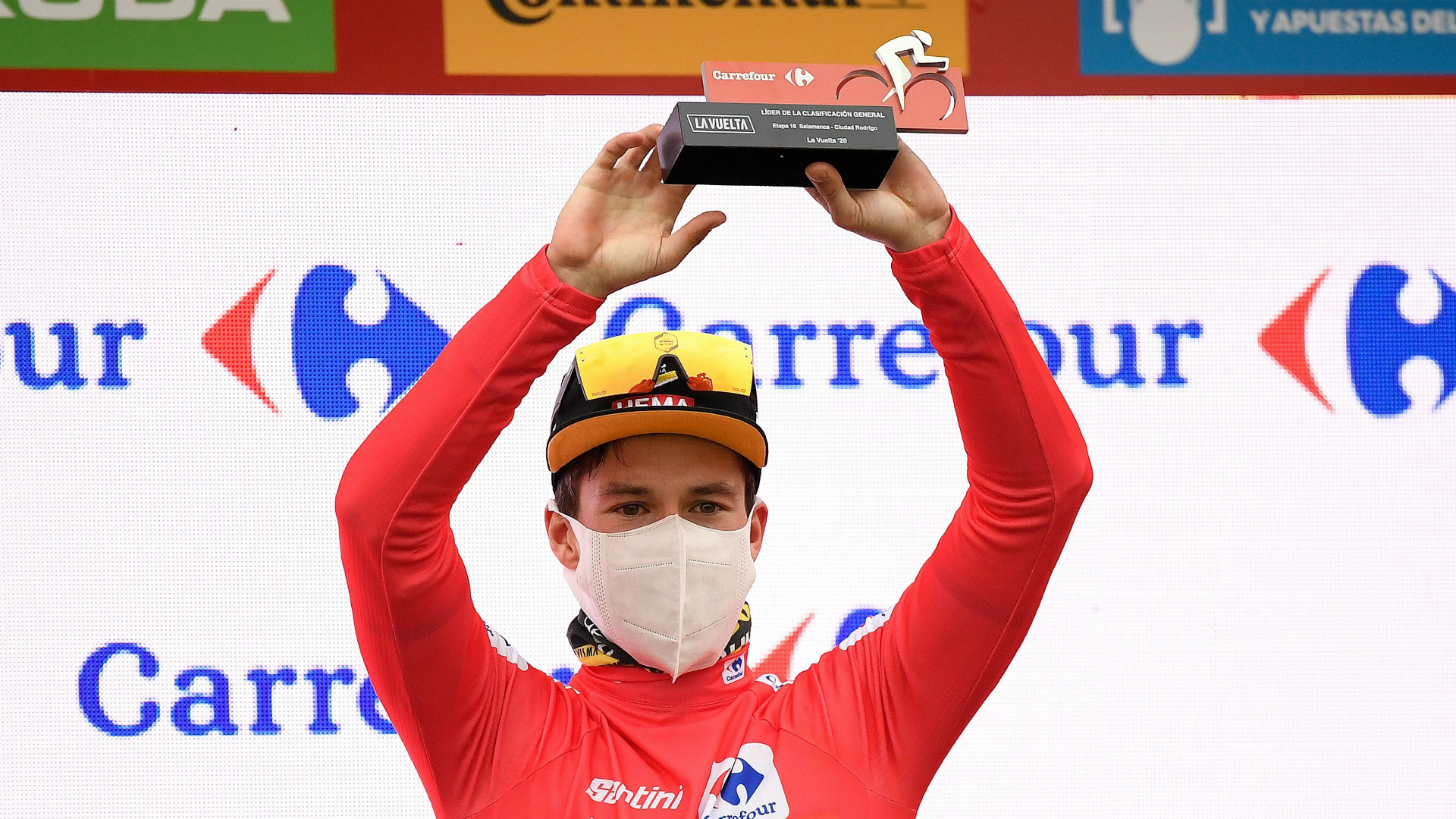 Vuelta a Espana: Roglic grips tight to red jersey going into final weekend