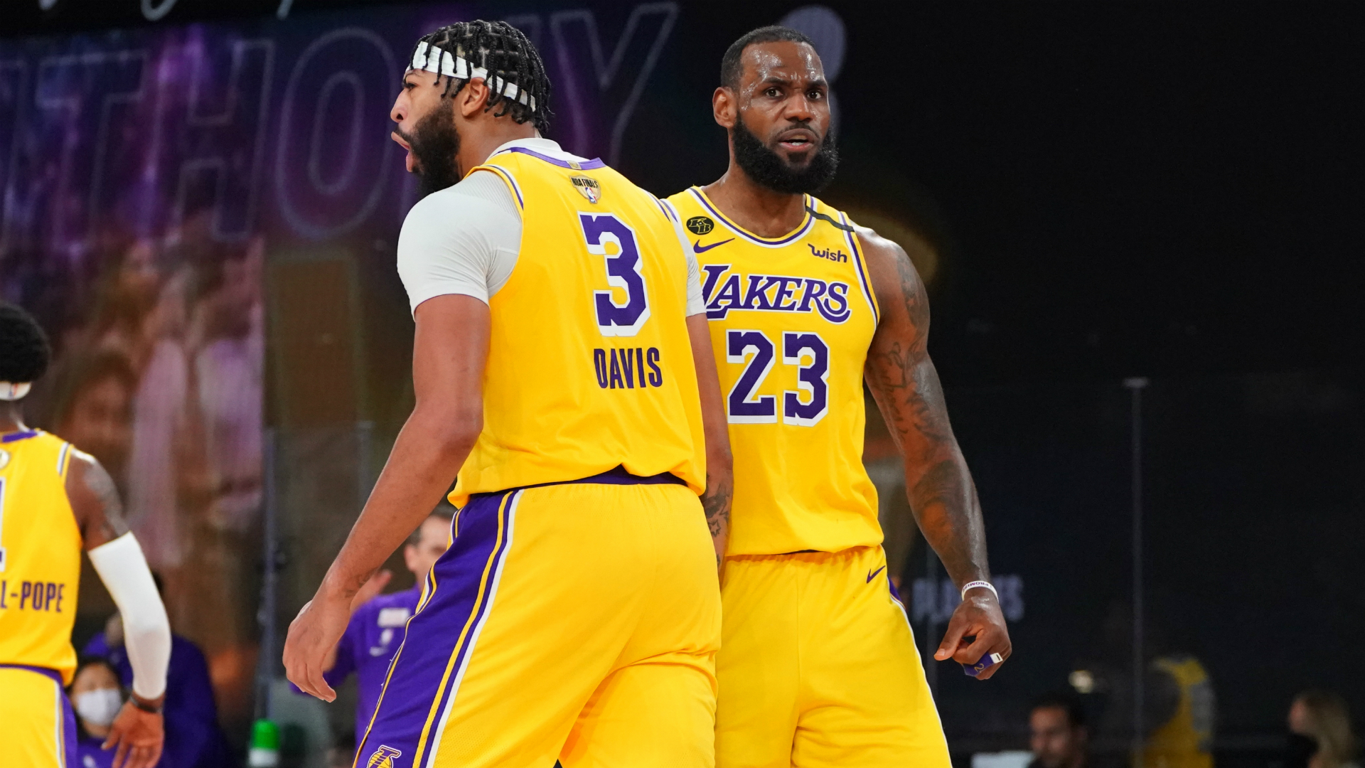 Nba Finals Lebron And Davis Lead Lakers In Game 1 Blowout Of Heat Basketball News Stadium Astro