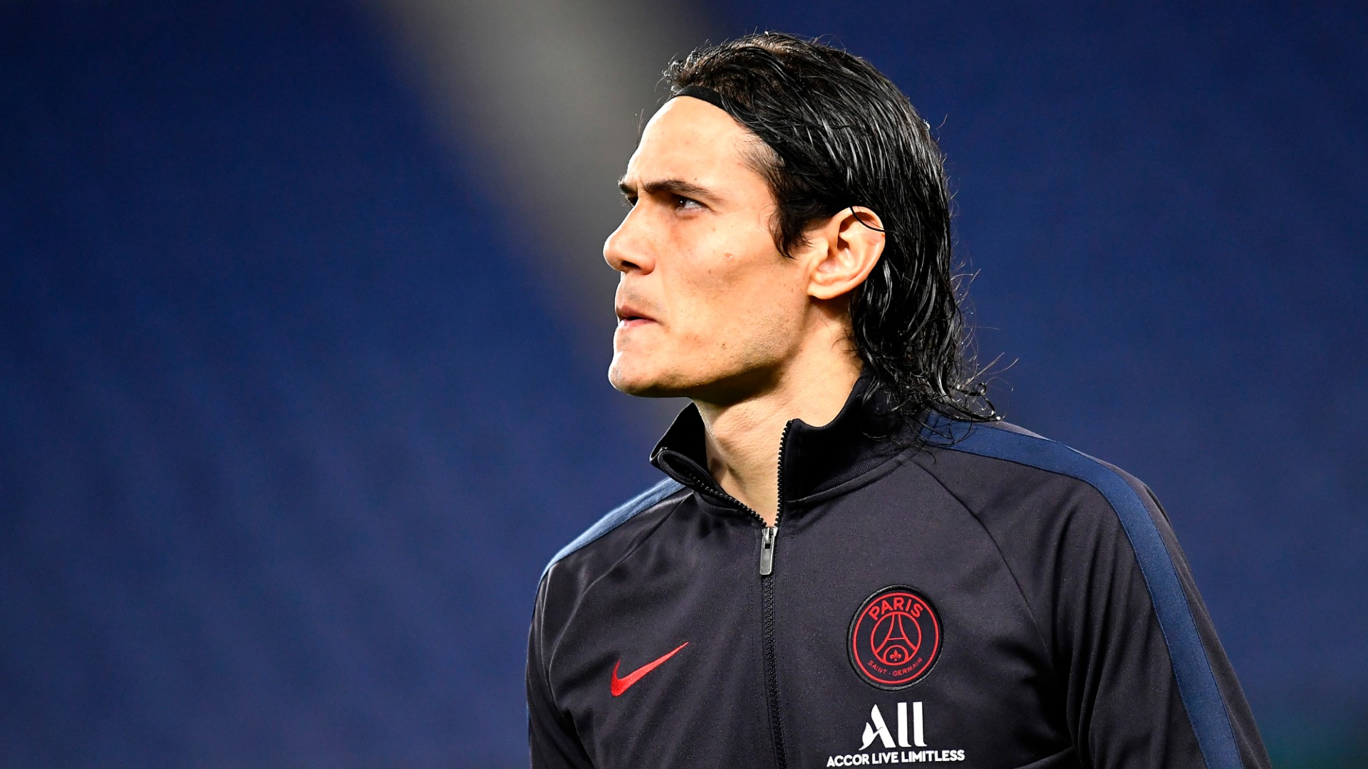 Cavani eager to pass on experience but it's up to Rashford, Martial and Greenwood to learn