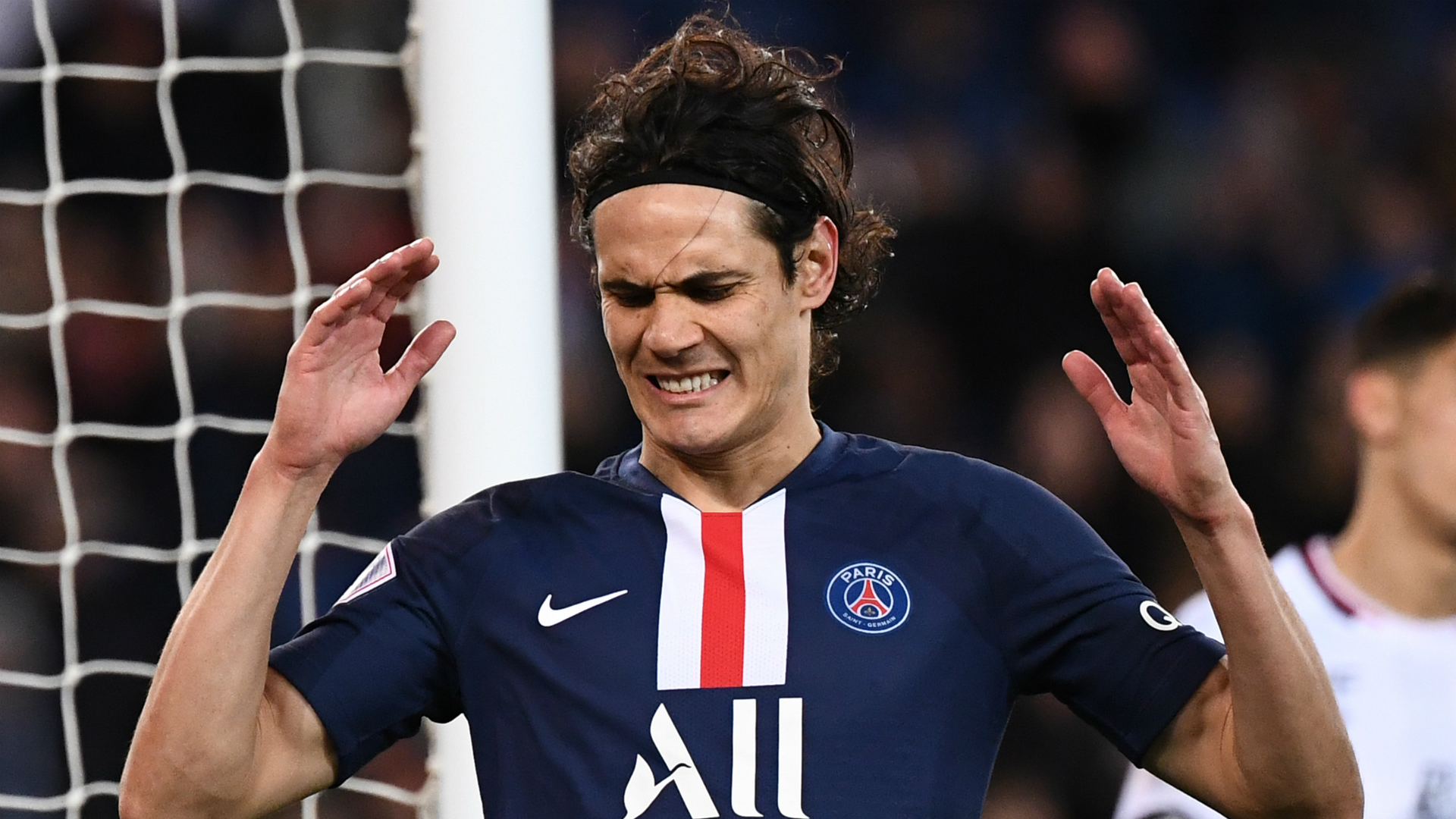 Cavani to miss Newcastle match due to COVID-19 guidelines