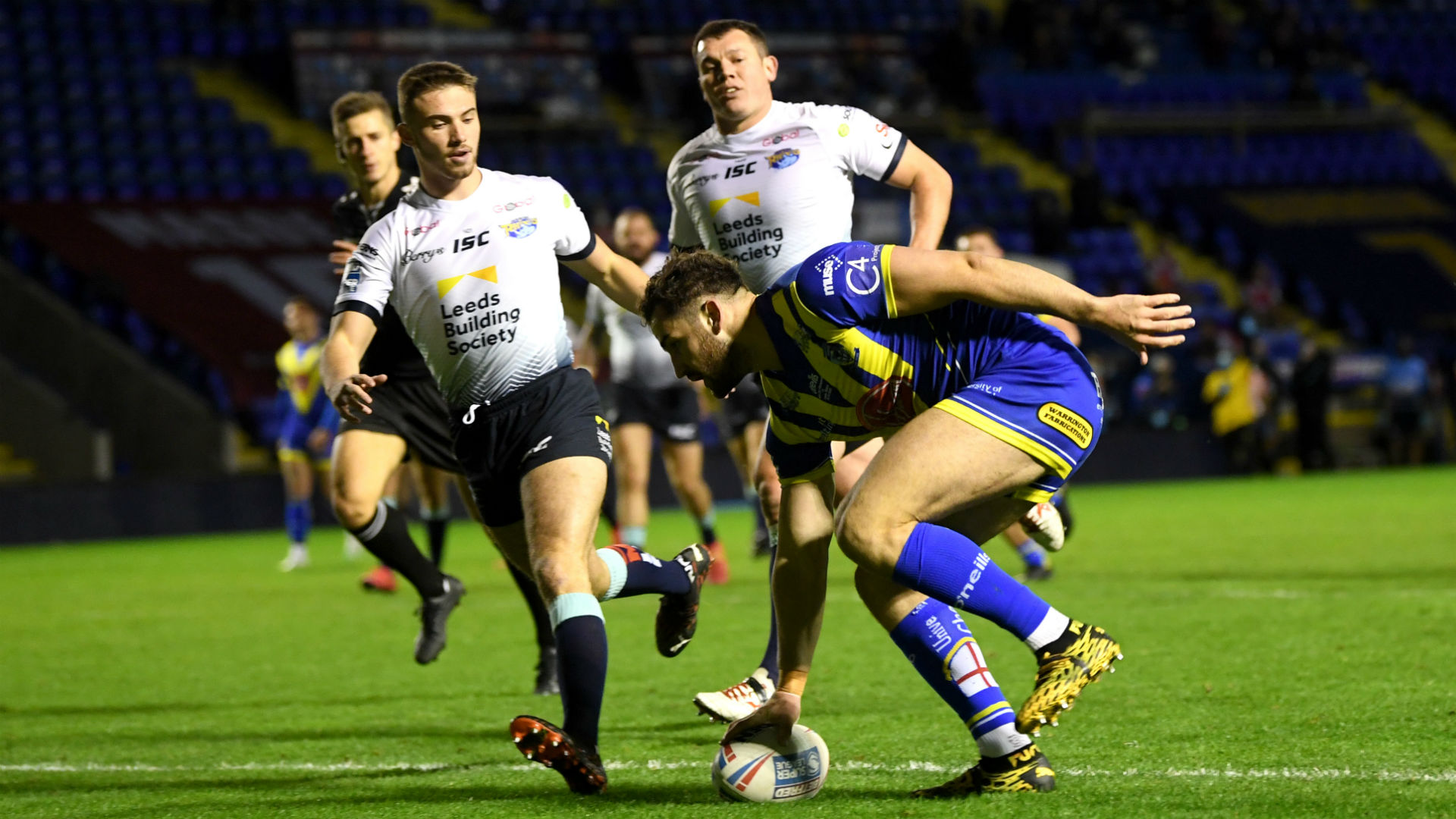 Wolves down youthful Rhinos, Hull KR beat Salford in game delayed for COVID-19 results