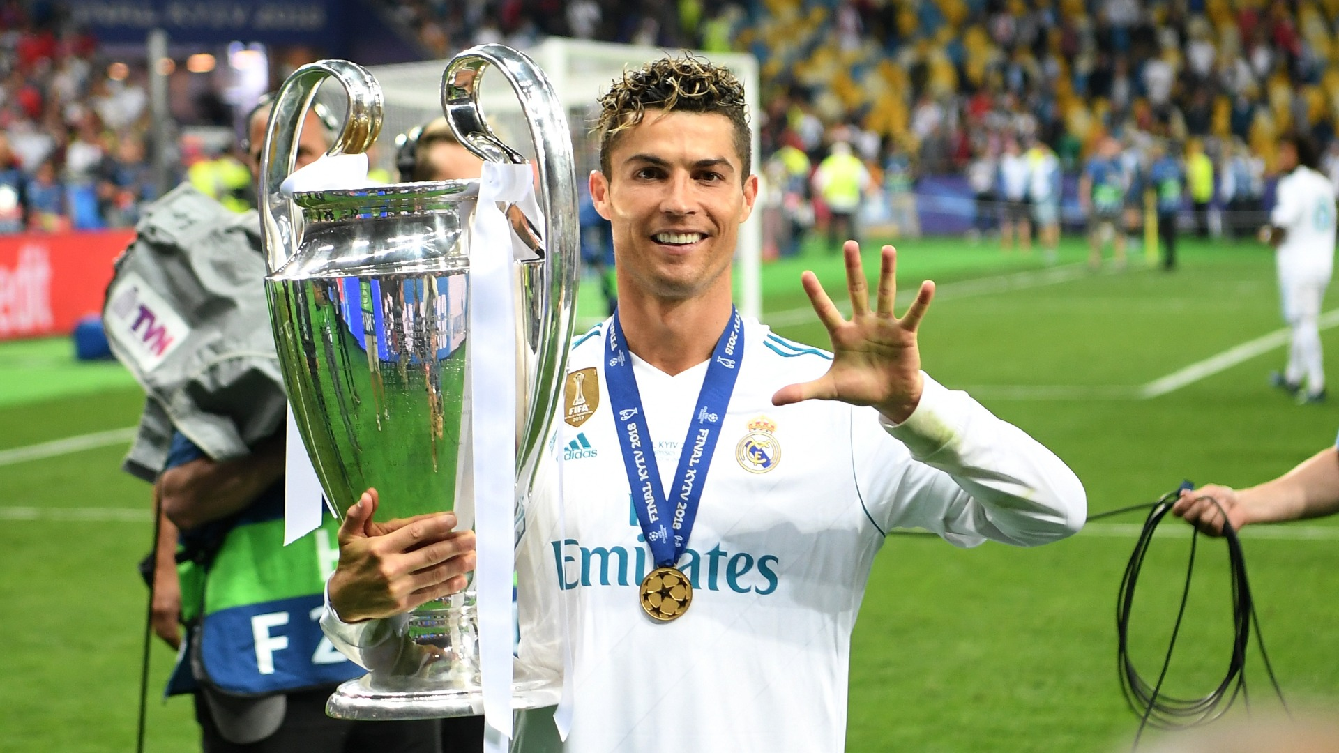 Shakhtar head coach criticises Real Madrid for letting Ronaldo leave for Juventus