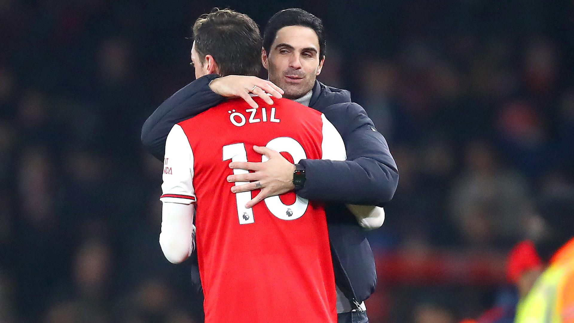 Arteta's 'conscience is calm' after leaving Ozil out of Premier League squad