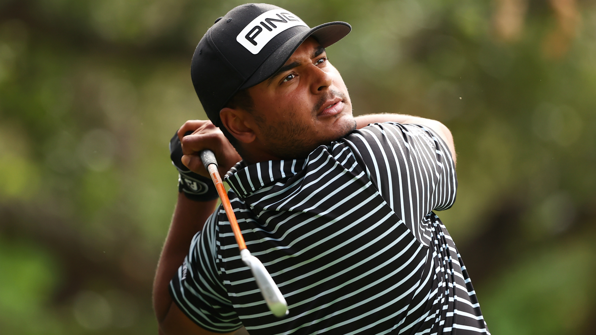 Munoz leads Zozo Championship as Tiger Woods stumbles with opening 76