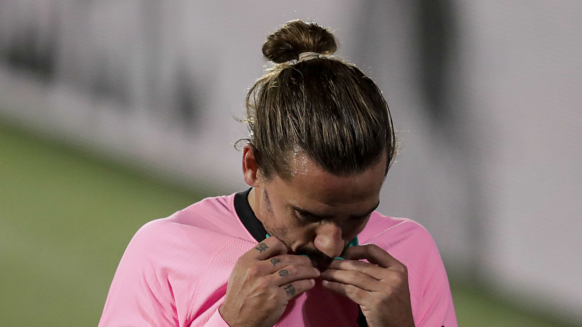 Griezmann urged to leave Barcelona by Lizarazu
