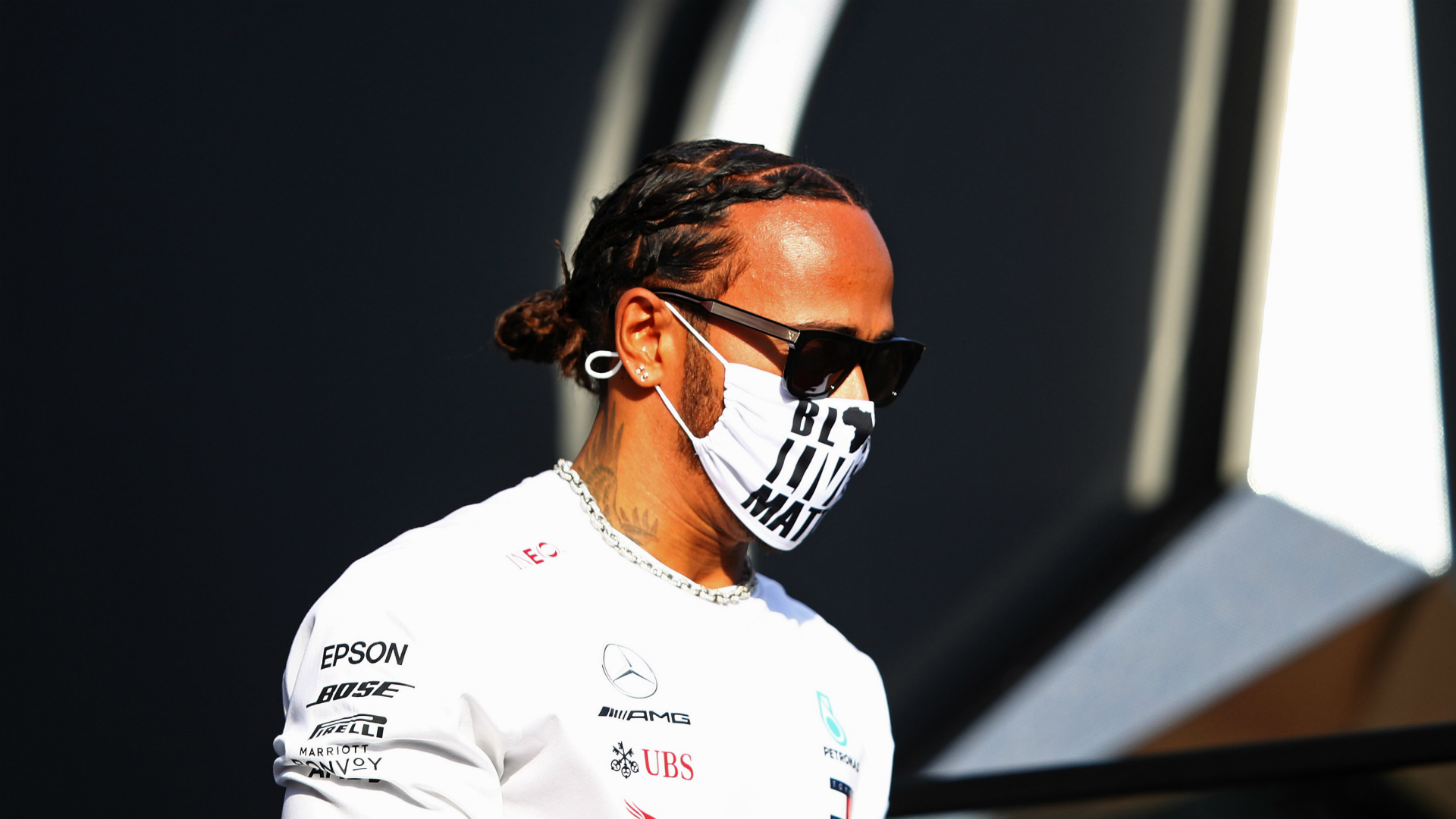 Hamilton: F1 driver salary cap 'has nothing to do' with contract delay