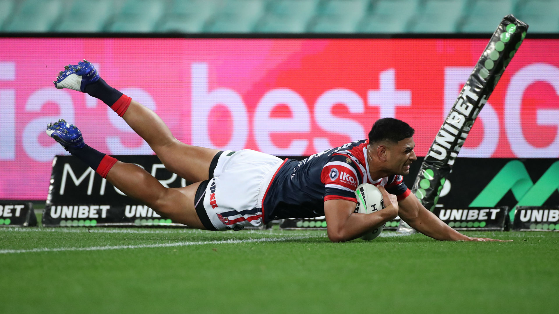 Tupou scores 100th NRL try as Roosters end Knights' top-four hopes