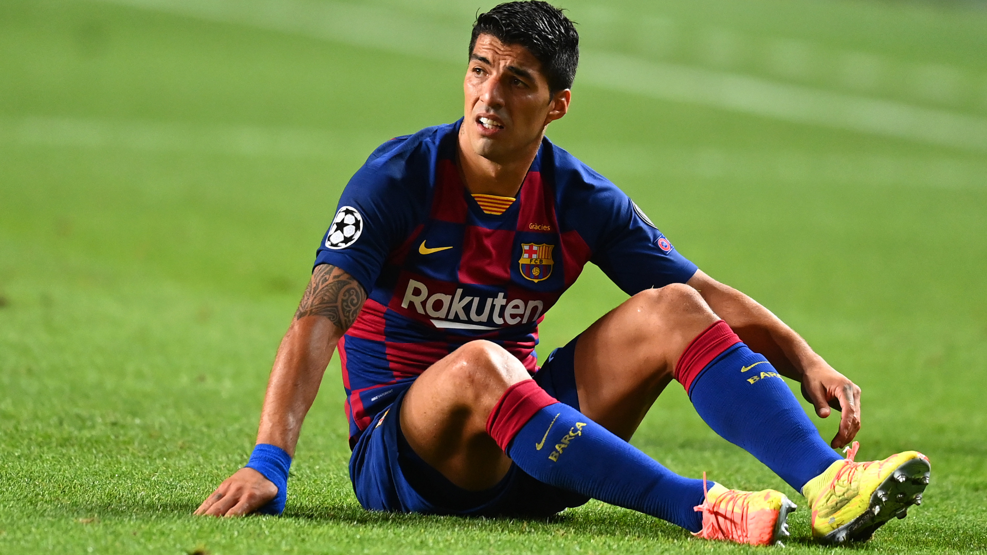 Barcelona looking to sign a striker but Suarez future unclear, says Ramon Planes