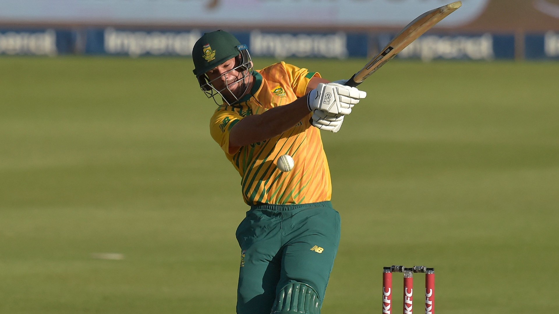 Proteas cruise past Pakistan total to draw level in T20 series