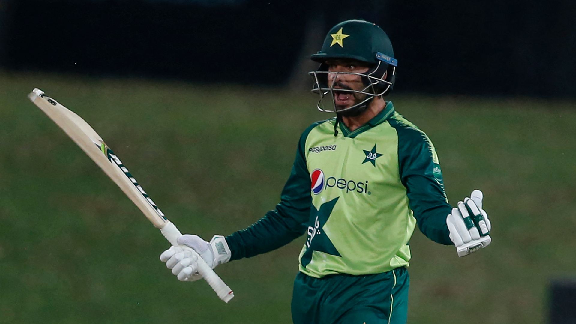 Fakhar and Nawaz help Pakistan fend off South Africa for series triumph