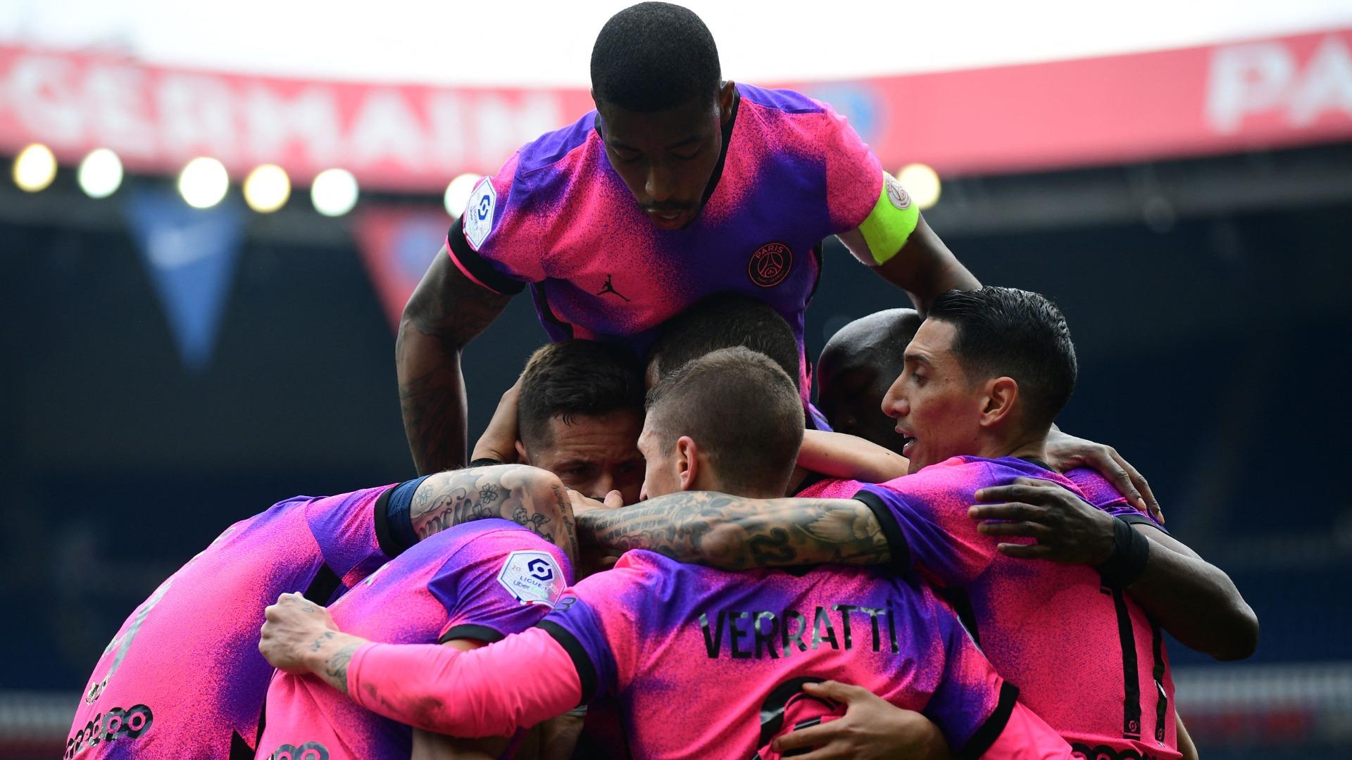 Paris Saint-Germain 3-2 Saint-Etienne: Icardi heads 95th-minute winner in frenetic five-goal finale