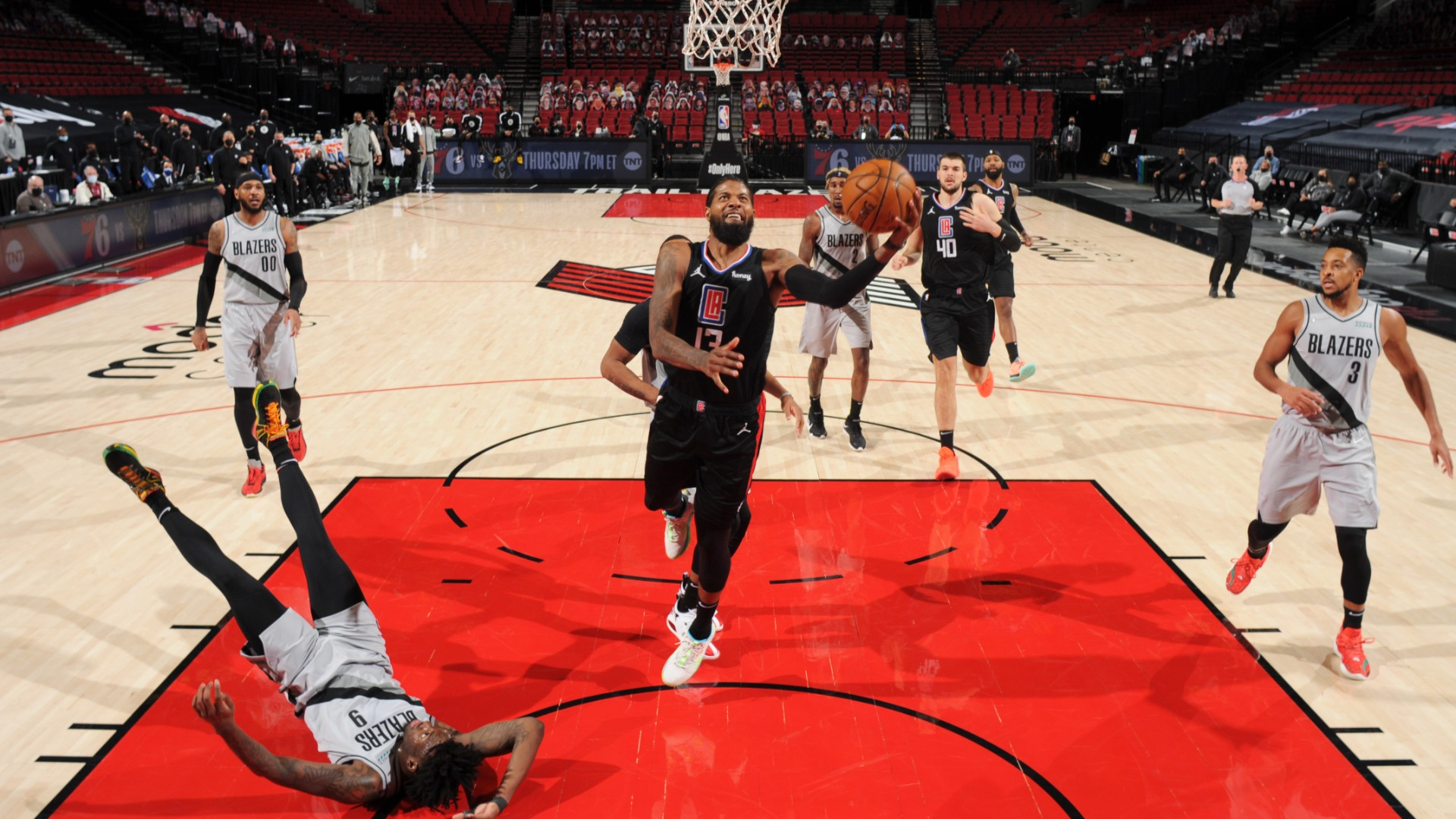 Lue lauds 'complete game' from George in Clippers' win over Trail Blazers