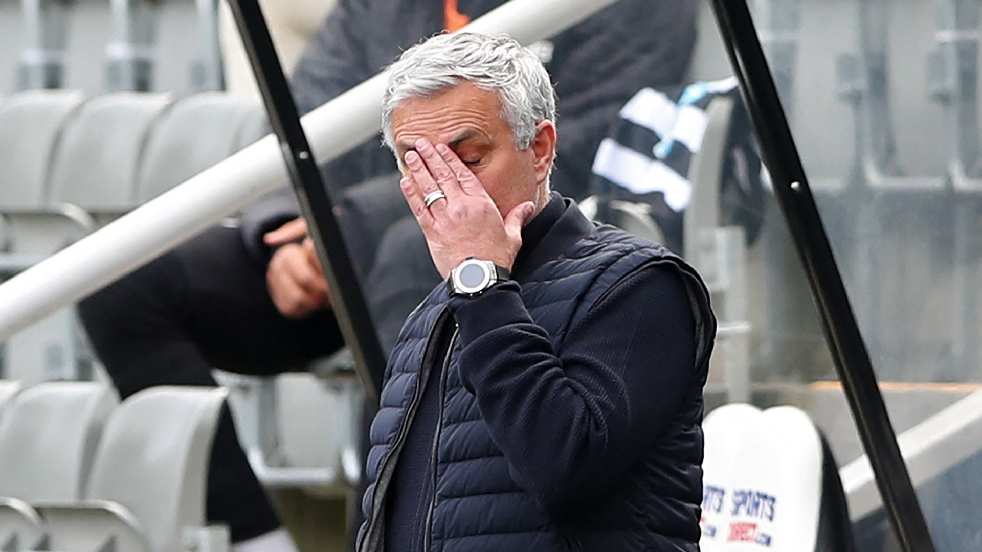 Same coach, different players – Mourinho blames Spurs squad for throwing away more points