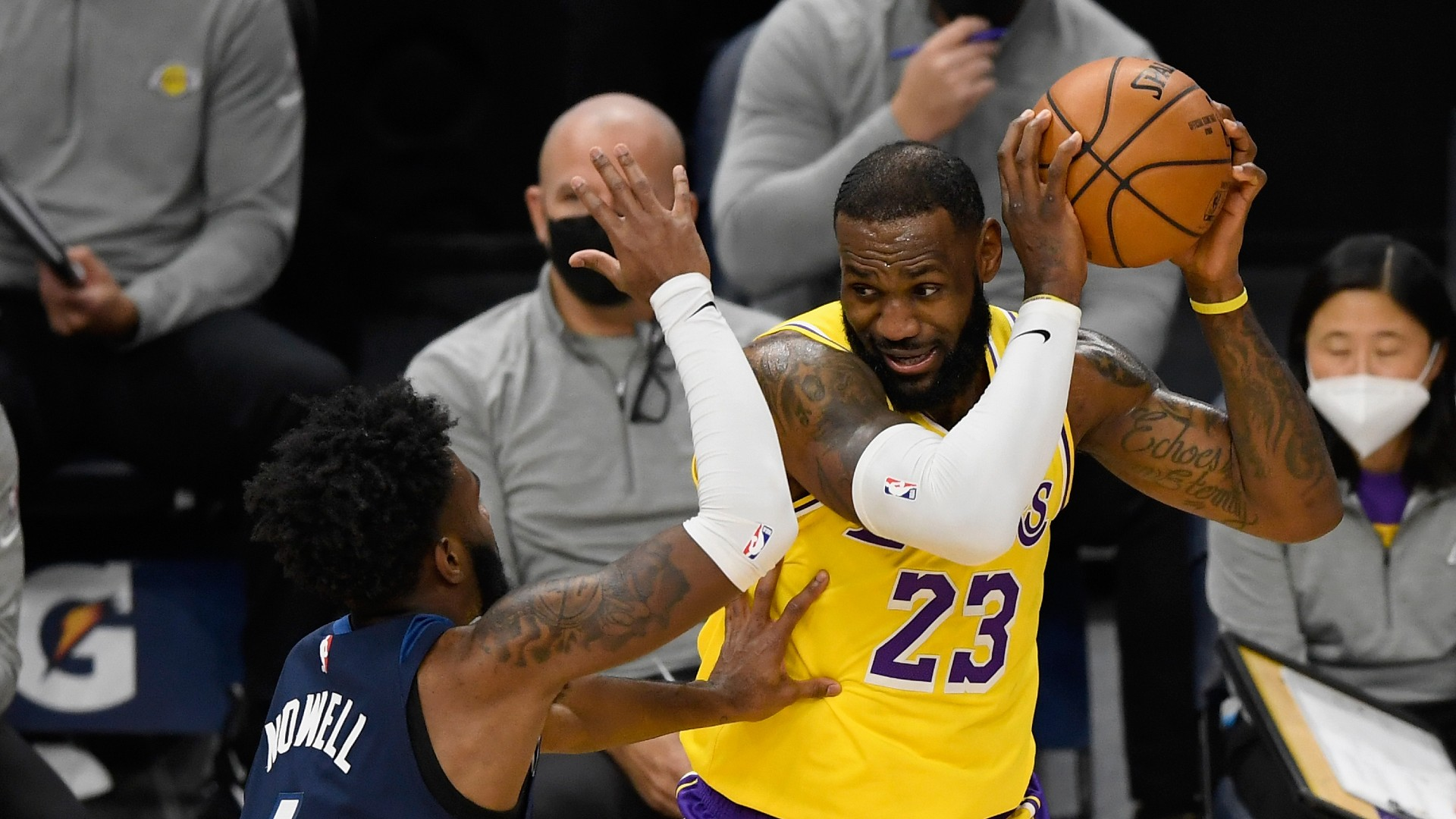 LeBron drives Lakers to bounce-back win, Harden lifts Nets in Irving's absence