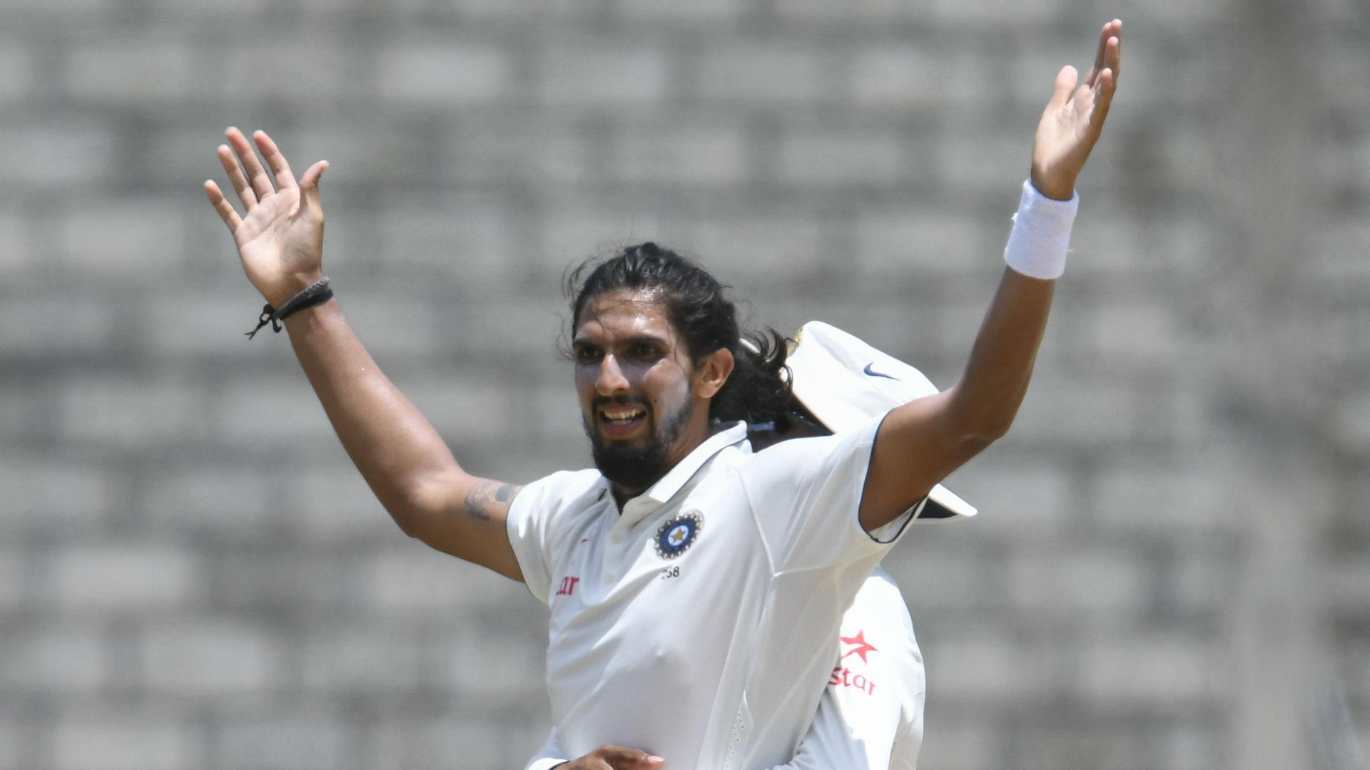 Kohli salutes India 'stalwart' Ishant ahead of 100th Test