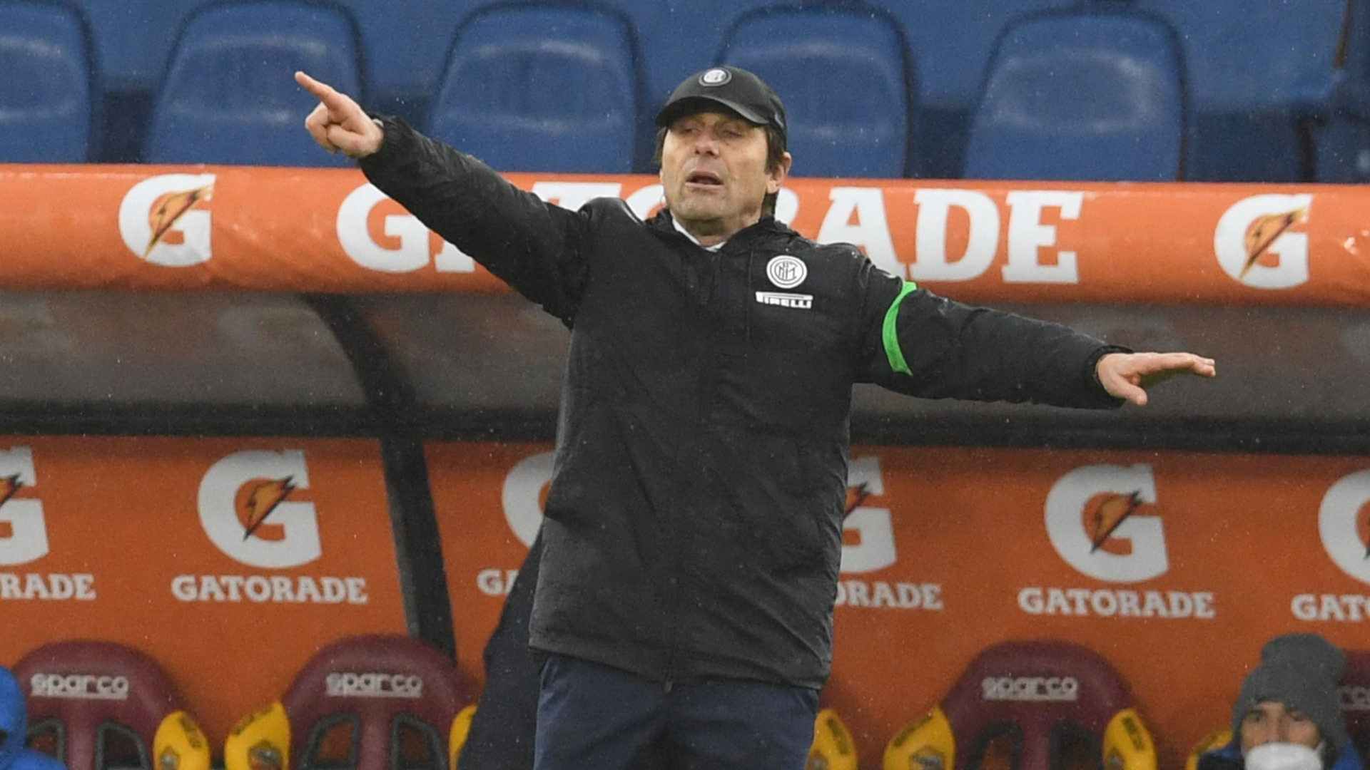 Conte defends Inter substitutions after Roma snatch a point