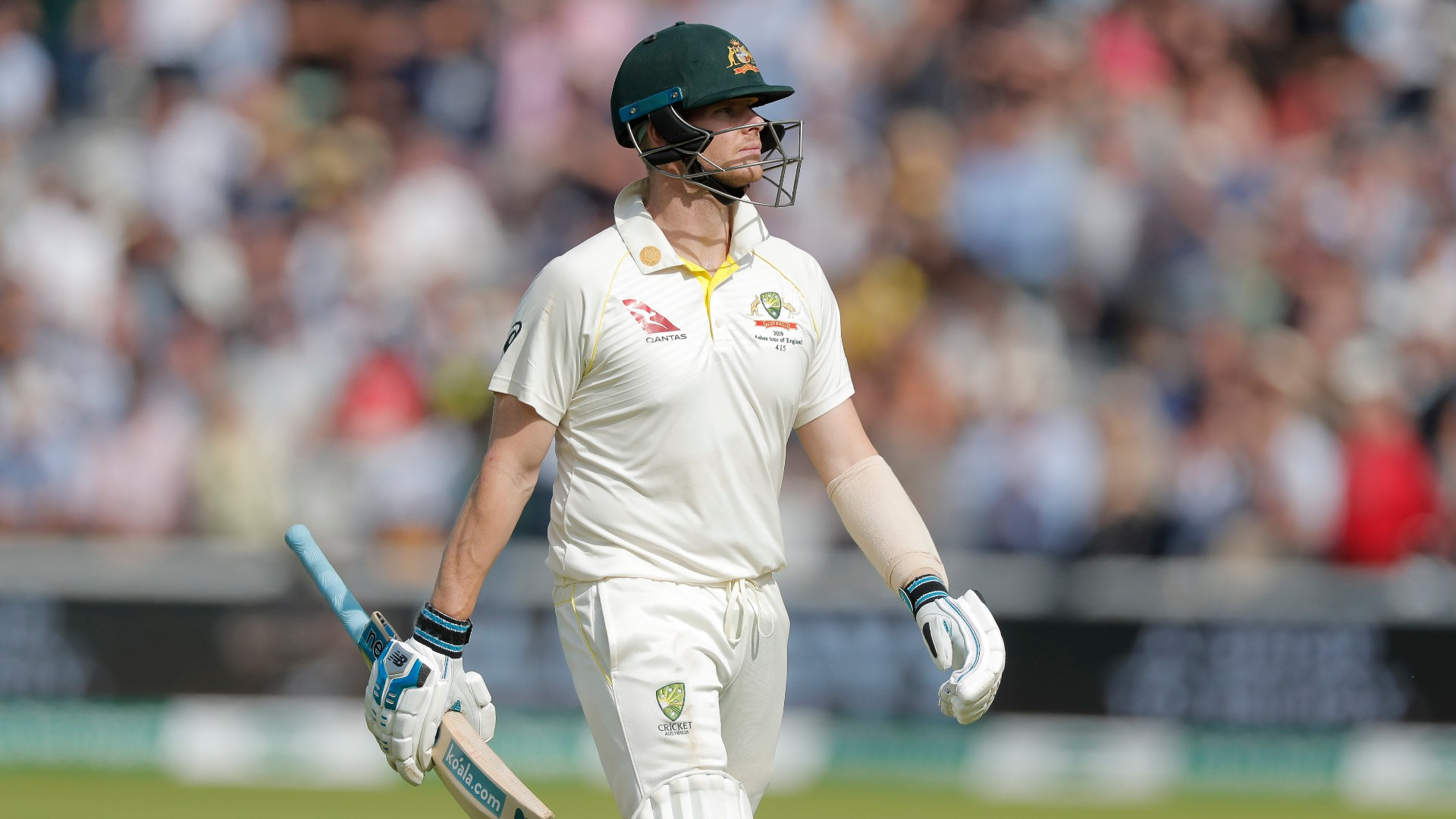 One of those things - Woakes keen not to wade in on Smith flashpoint