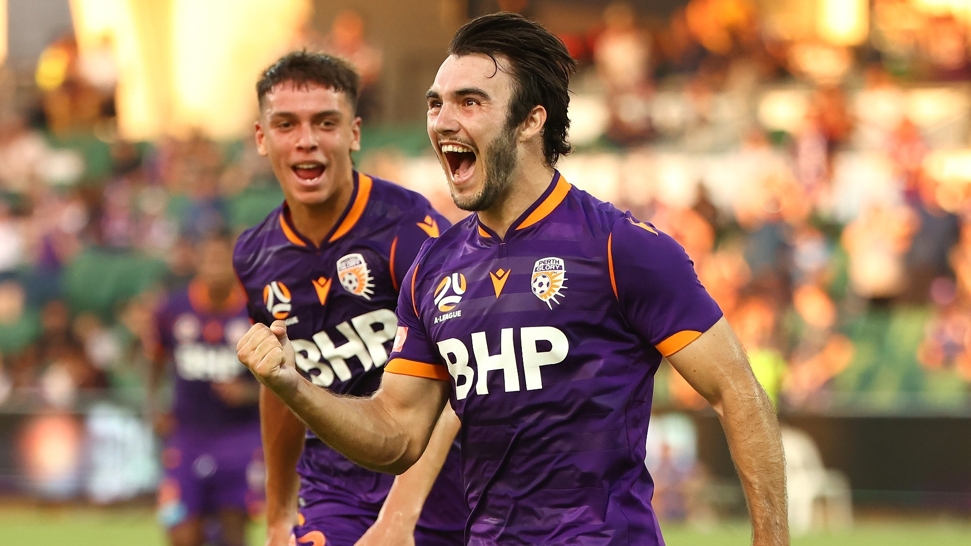 A-League: Perth Glory off to thrilling start, Newcastle Jets suffer fourth defeat in a row